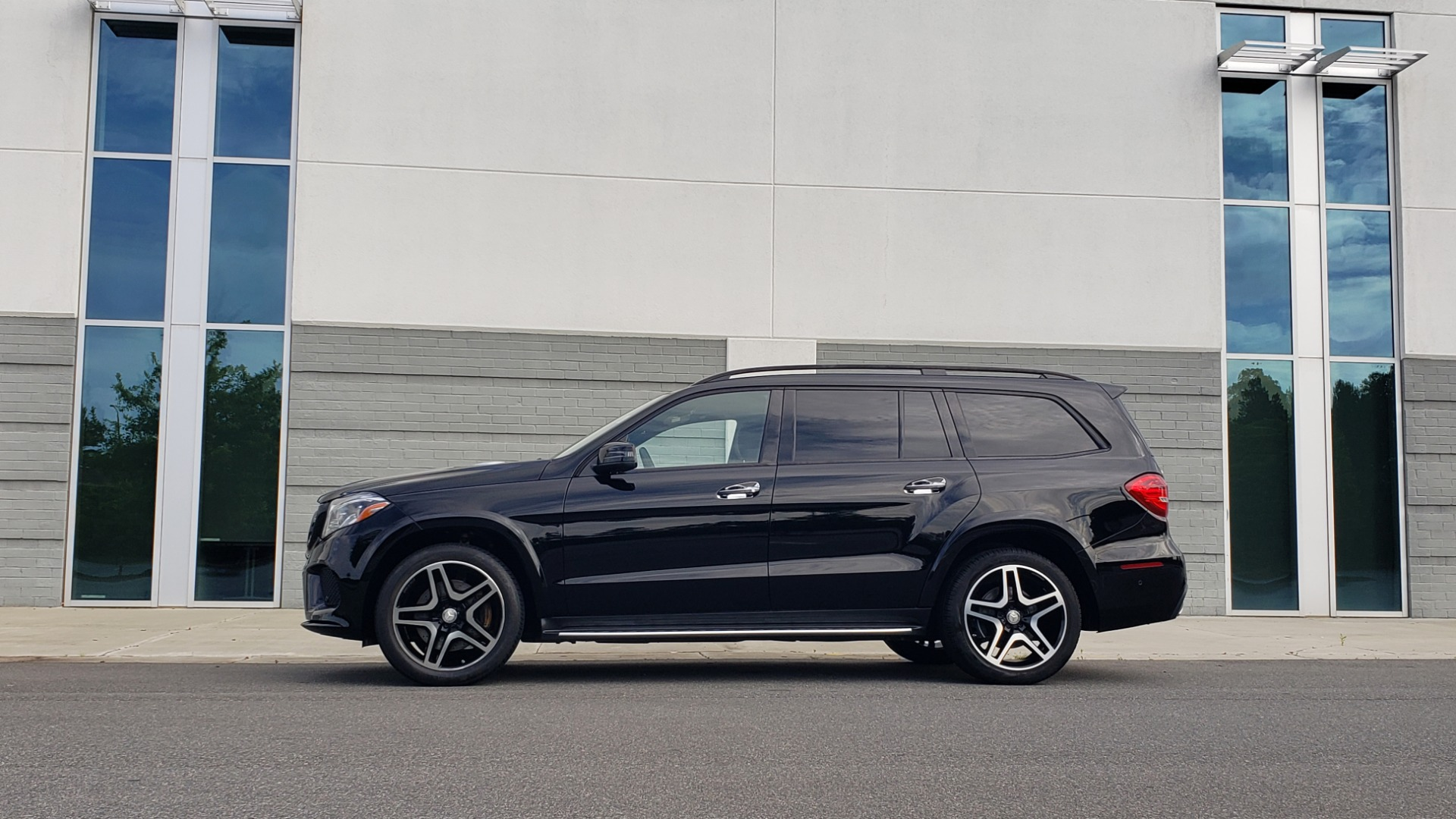 Used 2017 Mercedes-Benz GLS 550 4MATIC / NAV / DRVR ASST / SUNROOF / NIGHT PKG / REARVIEW for sale Call for price at Formula Imports in Charlotte NC 28227 7