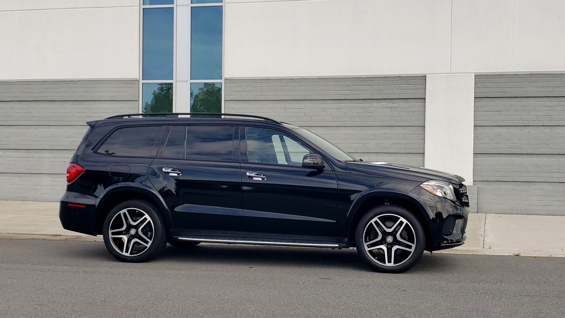 Used 2017 Mercedes-Benz GLS 550 4MATIC / NAV / DRVR ASST / SUNROOF / NIGHT PKG / REARVIEW for sale Call for price at Formula Imports in Charlotte NC 28227 9