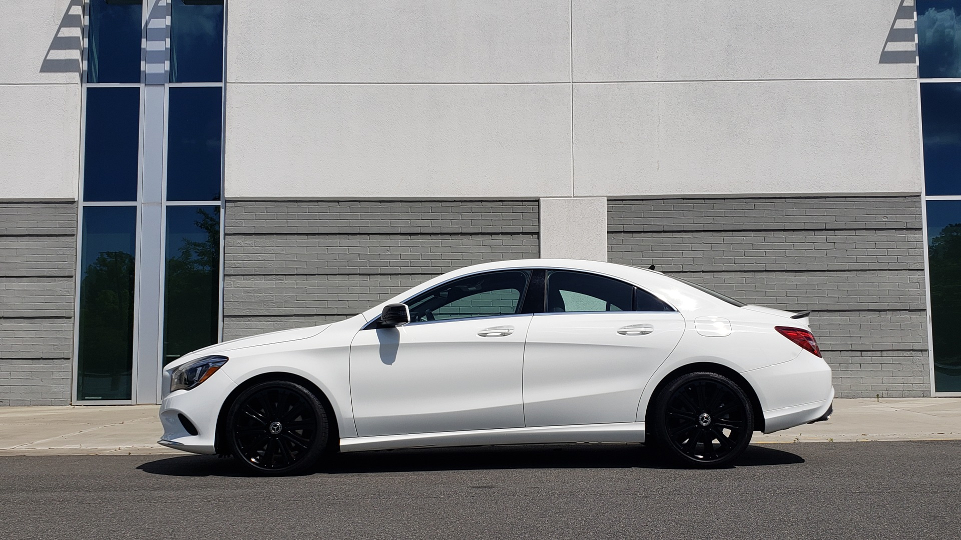 Used 2018 Mercedes-Benz CLA 250 4MATIC COUPE / PREMIUM / PANO-ROOF / APPLE / REARVIEW for sale Sold at Formula Imports in Charlotte NC 28227 5