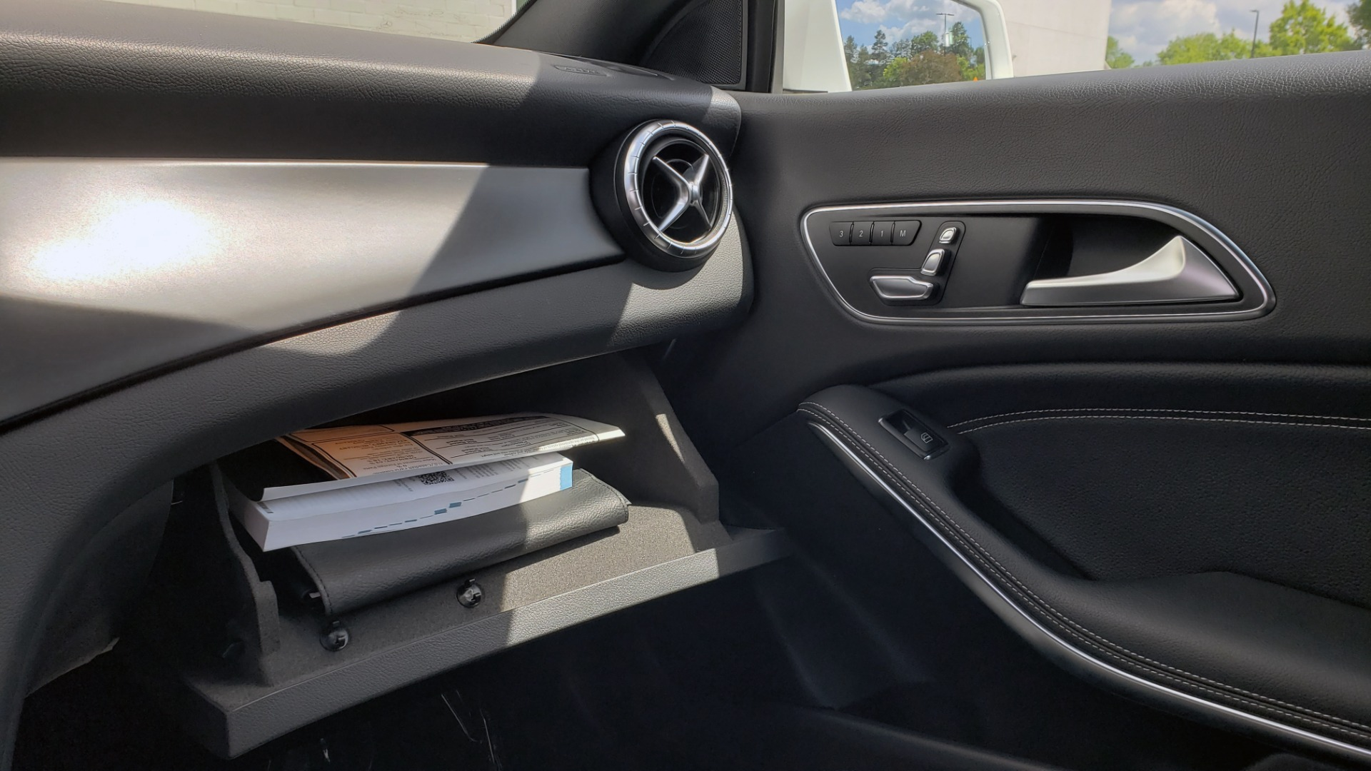 Used 2018 Mercedes-Benz CLA 250 4MATIC COUPE / PREMIUM / PANO-ROOF / APPLE / REARVIEW for sale Sold at Formula Imports in Charlotte NC 28227 51