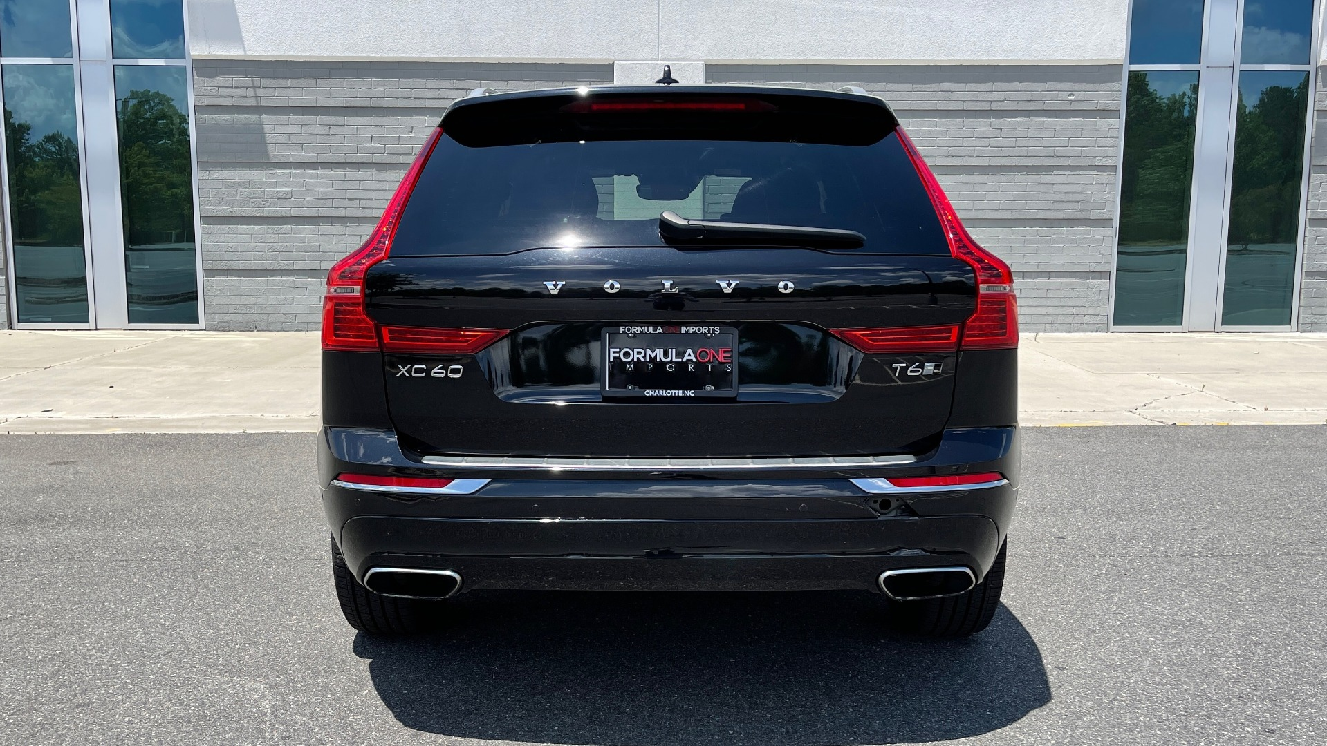 Used 2018 Volvo XC60 INSCRIPTION 2.0L TURBO SUV / AWD / NAV / SUNROOF / REARVIEW for sale $38,795 at Formula Imports in Charlotte NC 28227 22