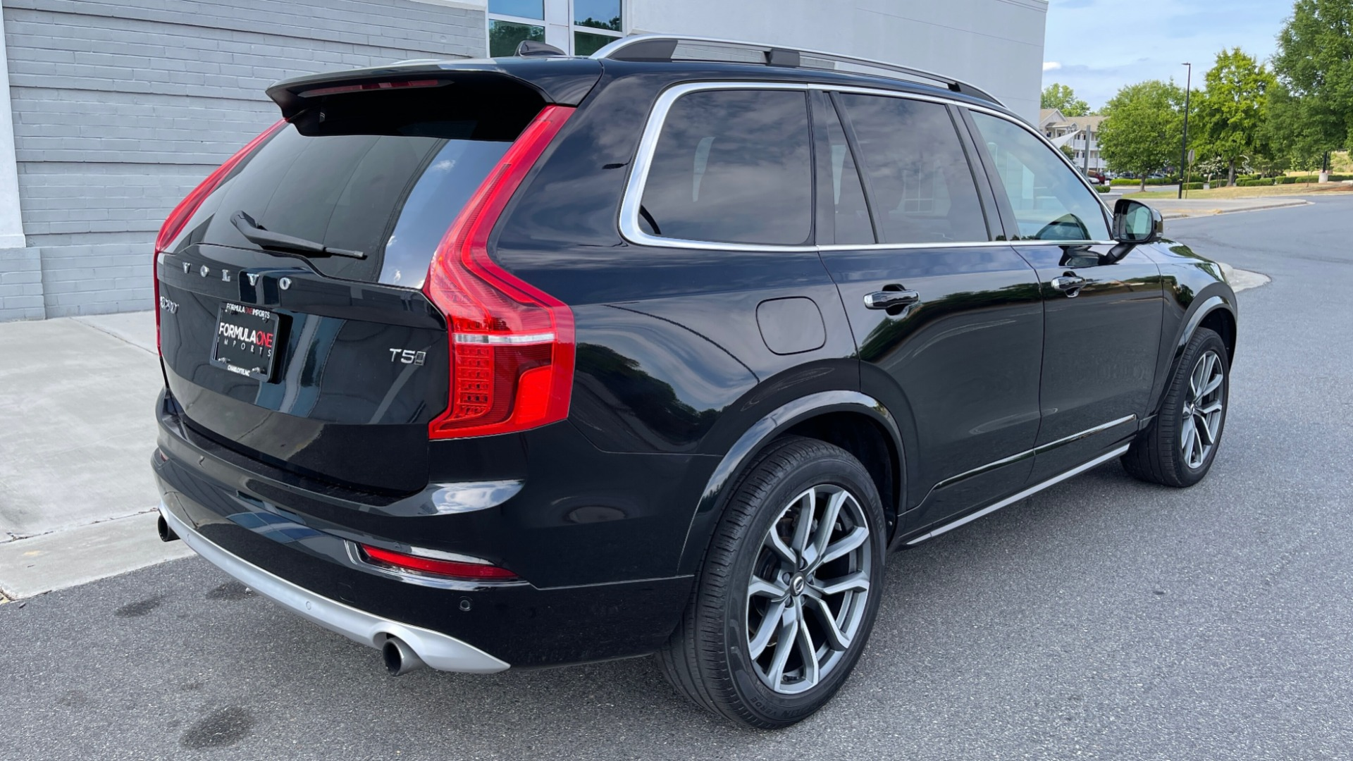 Used 2018 Volvo XC90 T5 AWD MOMENTUM PLUS / NAV / SUNROOF / 3-ROW / REARVIEW for sale $40,295 at Formula Imports in Charlotte NC 28227 2