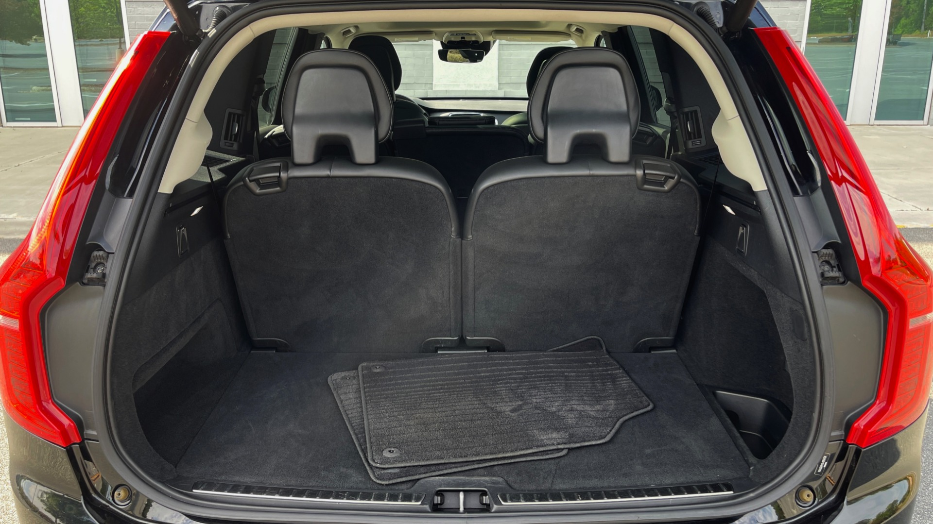 Used 2018 Volvo XC90 T5 AWD MOMENTUM PLUS / NAV / SUNROOF / 3-ROW / REARVIEW for sale $40,295 at Formula Imports in Charlotte NC 28227 24