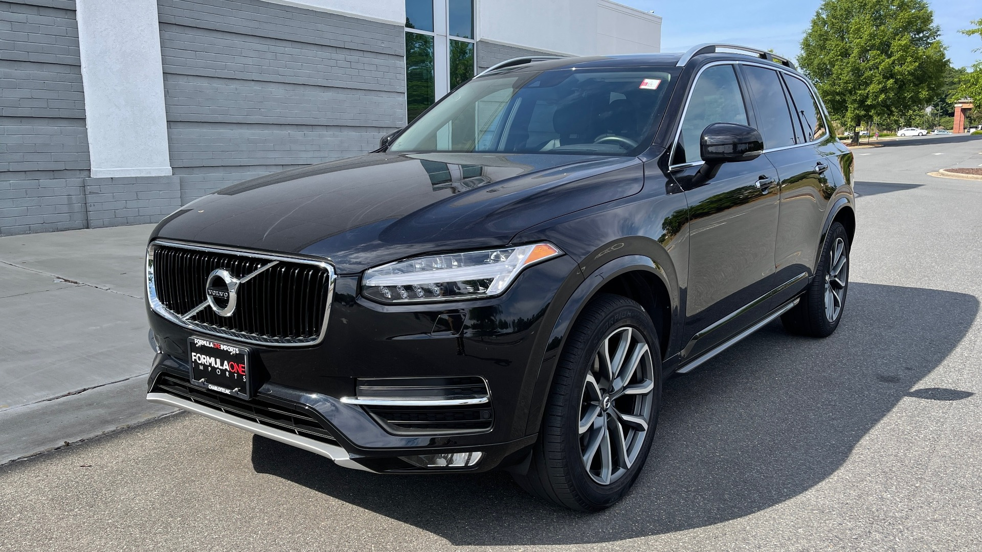 Used 2018 Volvo XC90 T5 AWD MOMENTUM PLUS / NAV / SUNROOF / 3-ROW / REARVIEW for sale $40,295 at Formula Imports in Charlotte NC 28227 3
