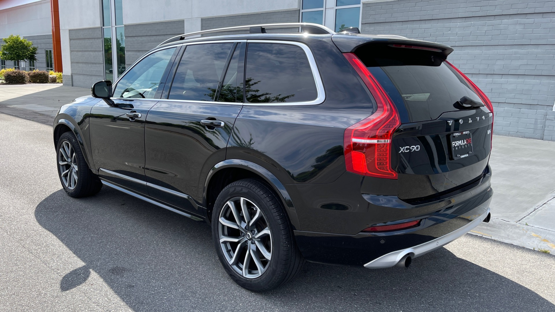 Used 2018 Volvo XC90 T5 AWD MOMENTUM PLUS / NAV / SUNROOF / 3-ROW / REARVIEW for sale $40,295 at Formula Imports in Charlotte NC 28227 4
