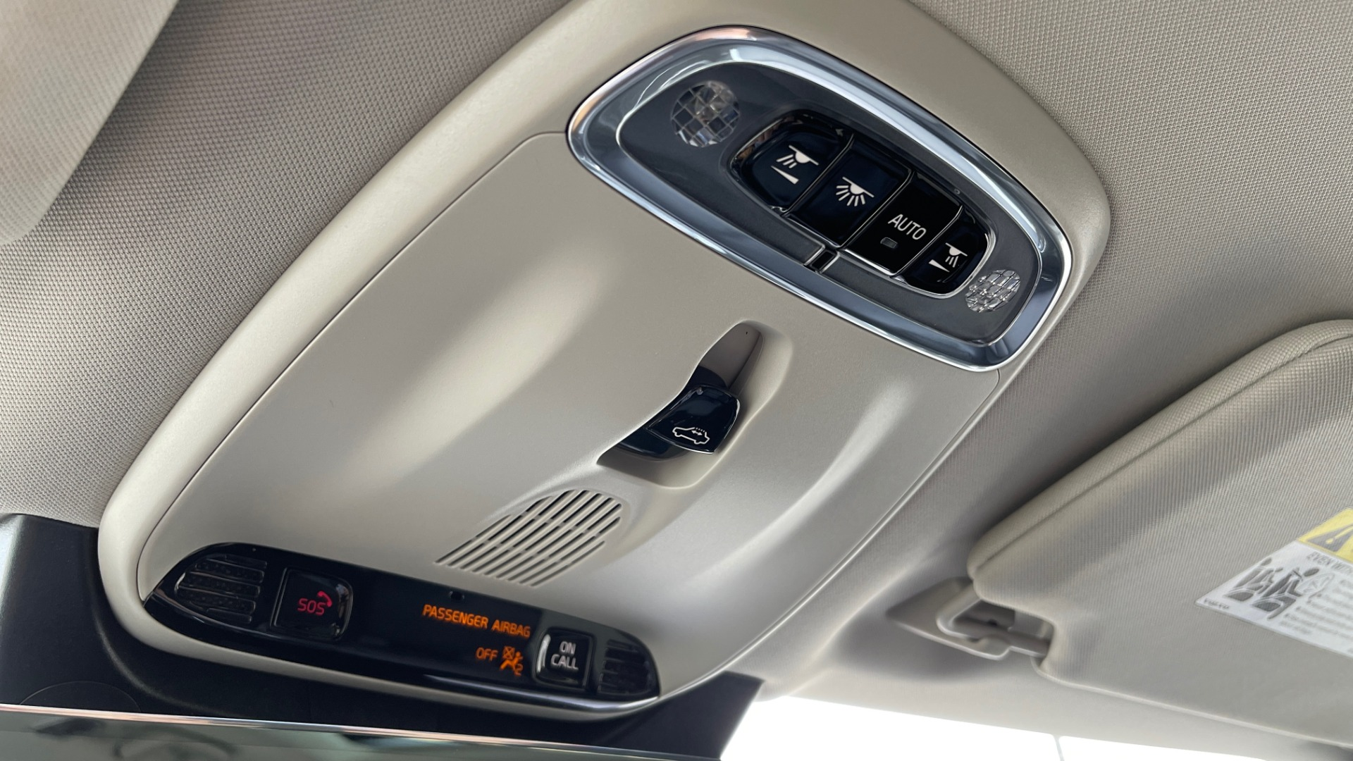 Used 2018 Volvo XC90 T5 AWD MOMENTUM PLUS / NAV / SUNROOF / 3-ROW / REARVIEW for sale $40,295 at Formula Imports in Charlotte NC 28227 57