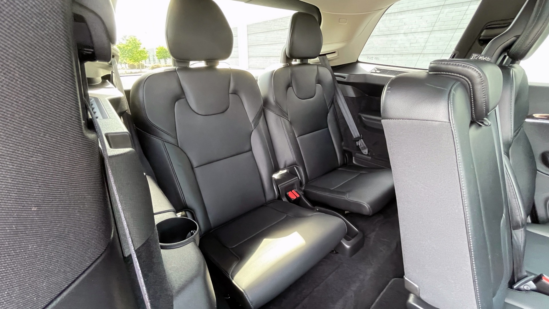 Used 2018 Volvo XC90 T5 AWD MOMENTUM PLUS / NAV / SUNROOF / 3-ROW / REARVIEW for sale $40,295 at Formula Imports in Charlotte NC 28227 77