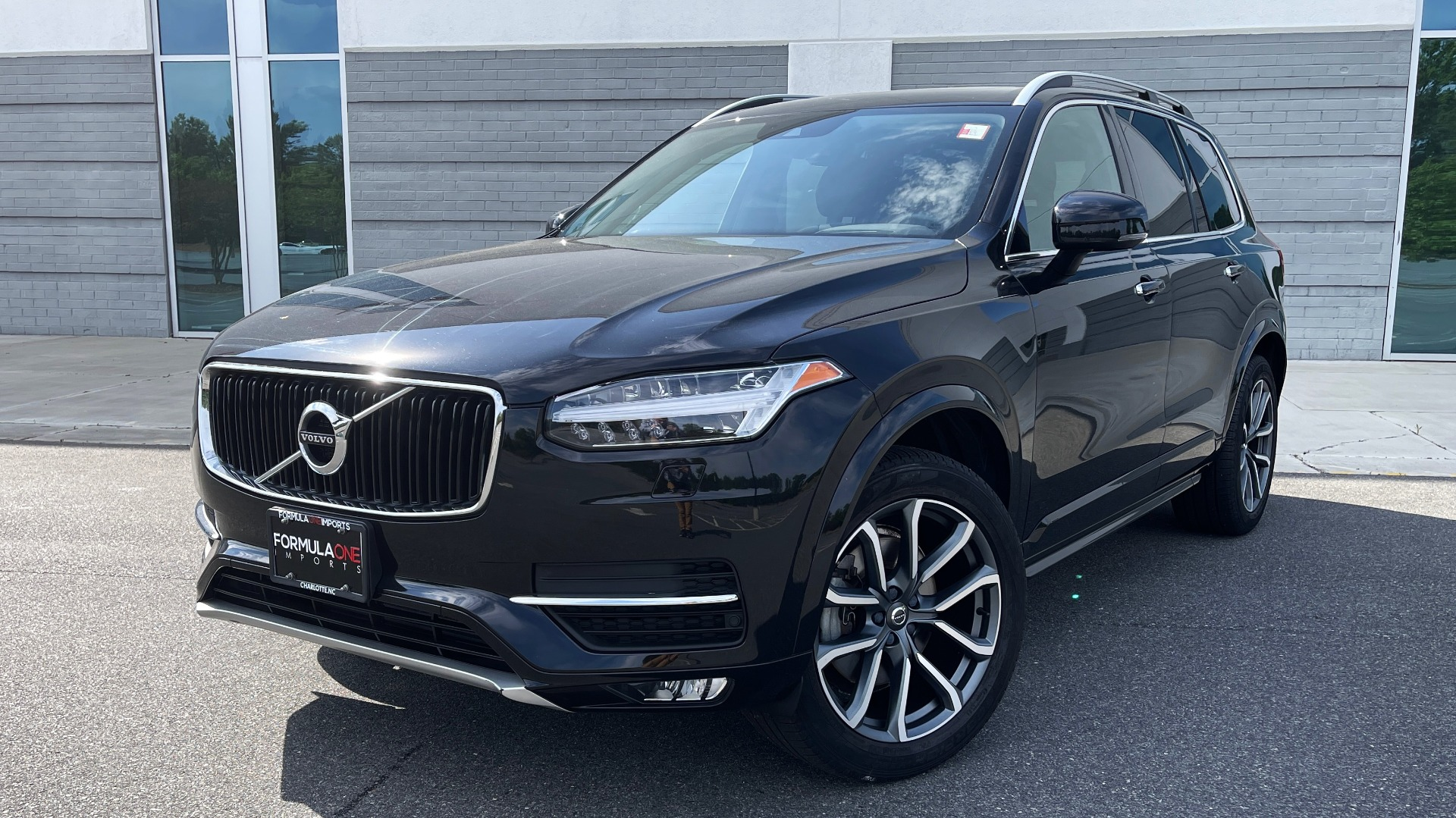 Used 2018 Volvo XC90 T5 AWD MOMENTUM PLUS / NAV / SUNROOF / 3-ROW / REARVIEW for sale $40,295 at Formula Imports in Charlotte NC 28227 1