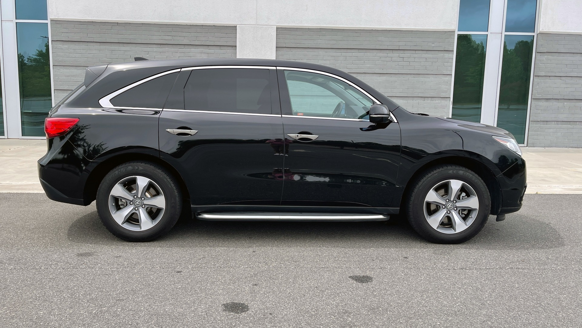 Used 2016 Acura MDX 3.5L V6 / AUTO / LEATHER / NAV / SUNROOF / 3-ROW / REARVIEW for sale $21,900 at Formula Imports in Charlotte NC 28227 7