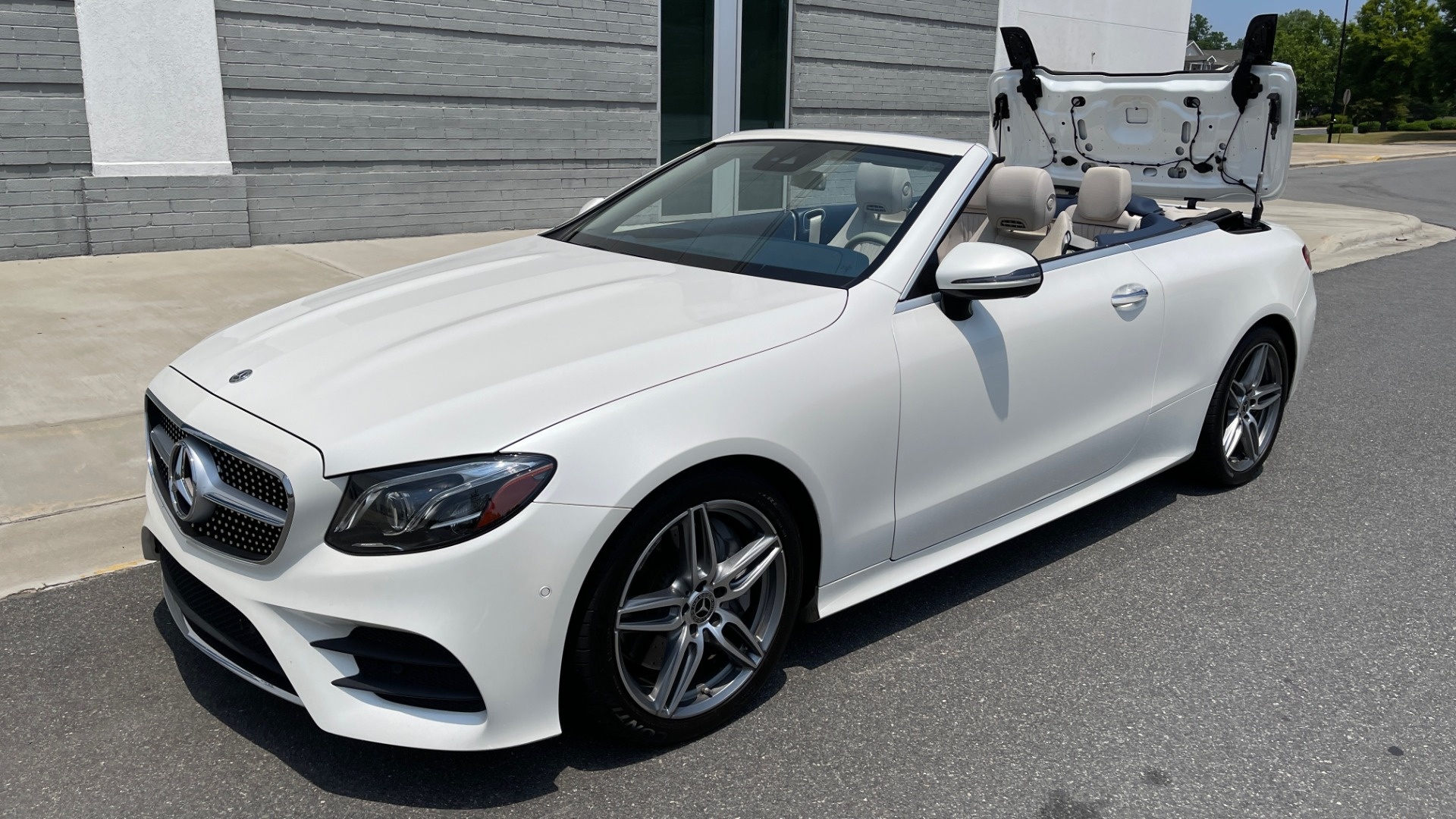 Used 2018 Mercedes-Benz E-CLASS E 400 CABRIOLET / PREM PKG / AMG LINE / NAV / REARVIEW for sale Sold at Formula Imports in Charlotte NC 28227 10