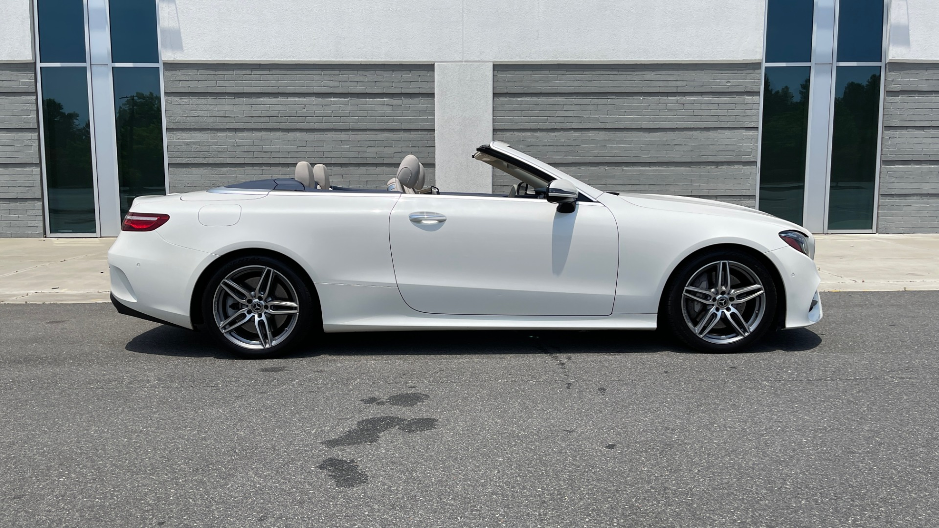 Used 2018 Mercedes-Benz E-CLASS E 400 CABRIOLET / PREM PKG / AMG LINE / NAV / REARVIEW for sale Sold at Formula Imports in Charlotte NC 28227 4