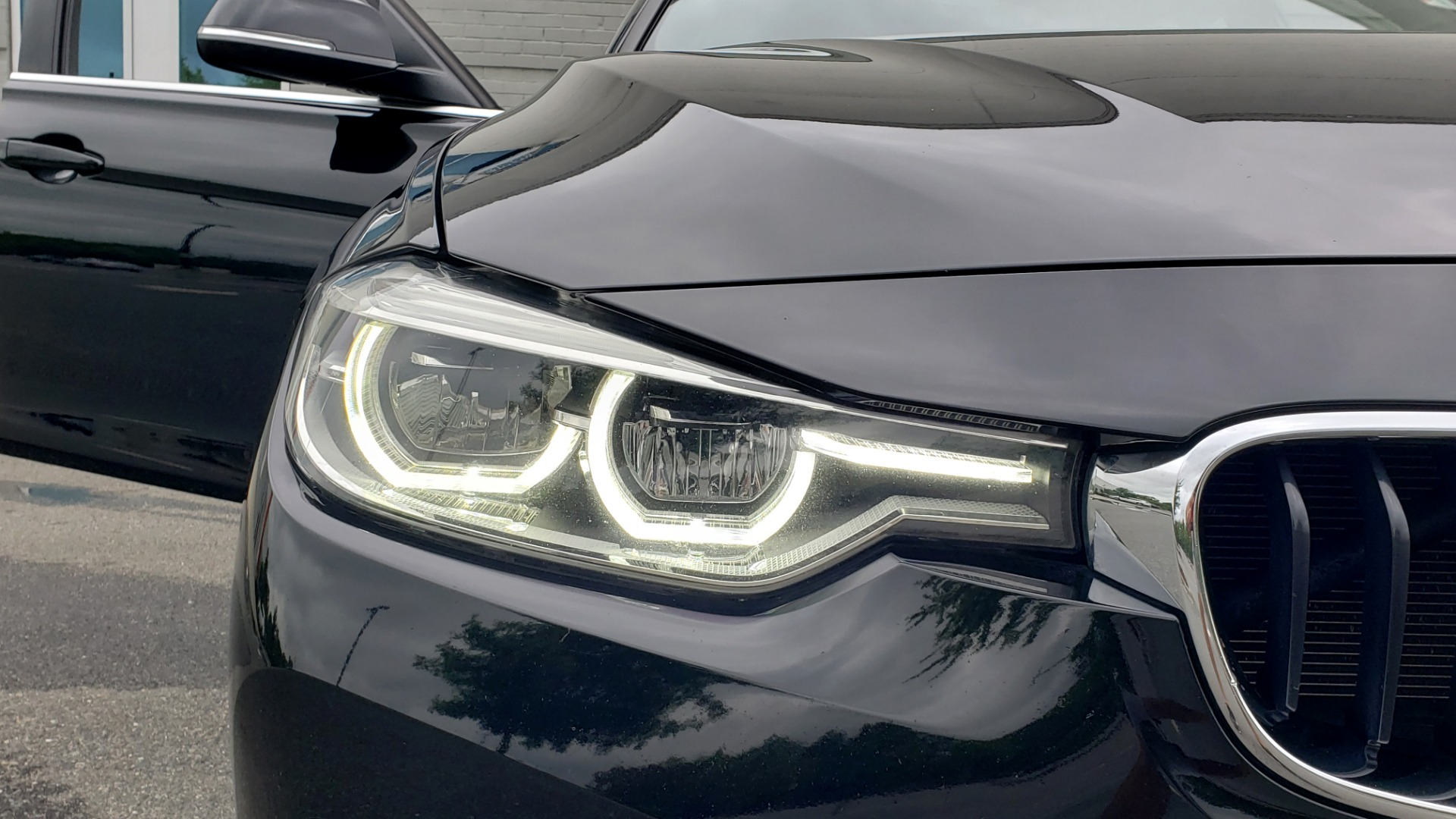 Used 2018 BMW 3 SERIES 330IXDRIVE / CONV PKG / NAV / SUNROOF / HTD STS / REARVIEW for sale $26,552 at Formula Imports in Charlotte NC 28227 20