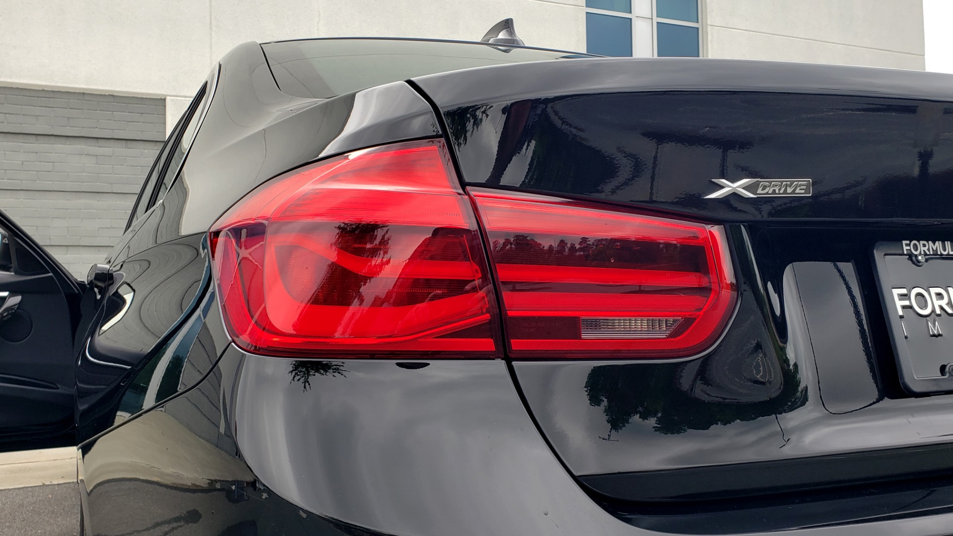Used 2018 BMW 3 SERIES 330IXDRIVE / CONV PKG / NAV / SUNROOF / HTD STS / REARVIEW for sale $26,552 at Formula Imports in Charlotte NC 28227 27