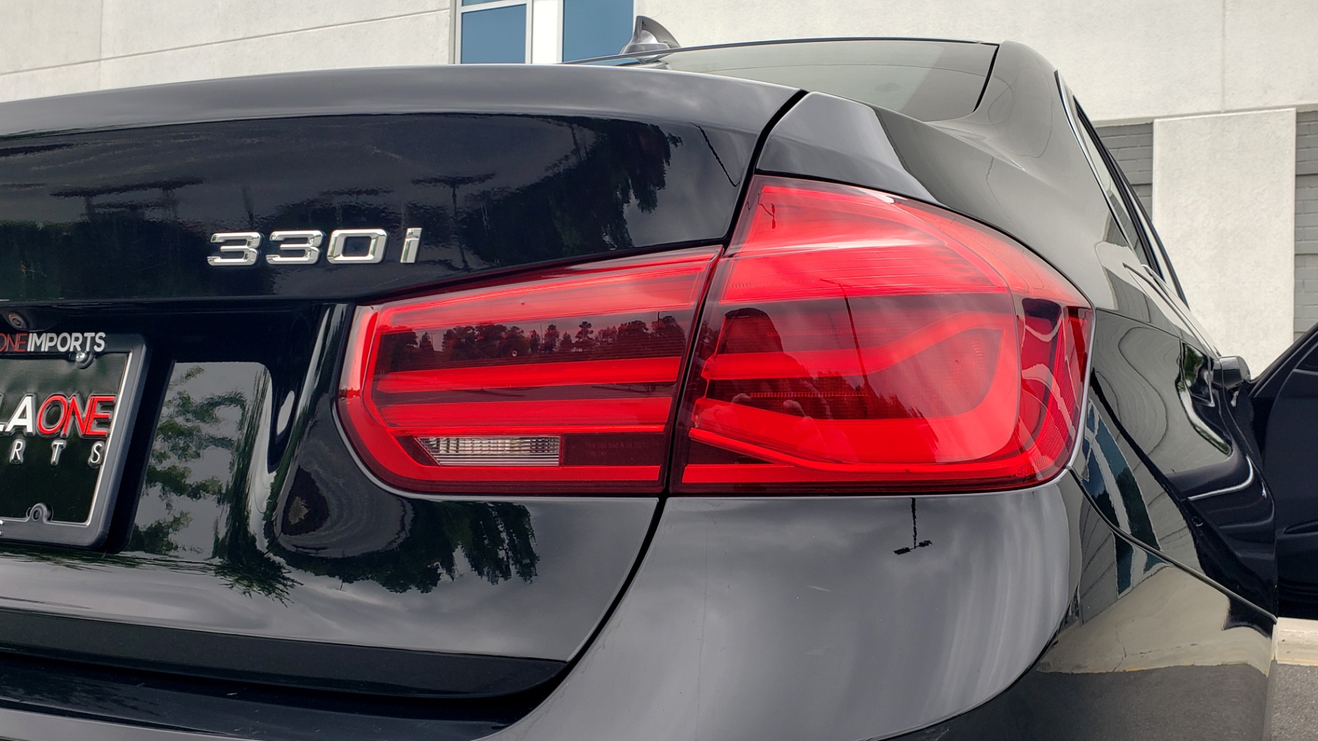 Used 2018 BMW 3 SERIES 330IXDRIVE / CONV PKG / NAV / SUNROOF / HTD STS / REARVIEW for sale $26,552 at Formula Imports in Charlotte NC 28227 28