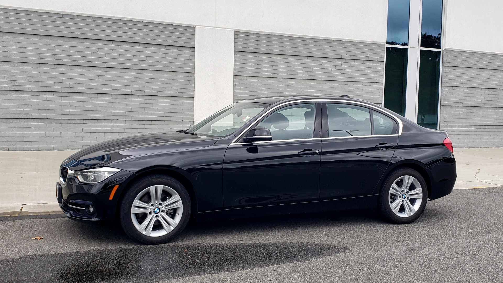 Used 2018 BMW 3 SERIES 330IXDRIVE / CONV PKG / NAV / SUNROOF / HTD STS / REARVIEW for sale $26,552 at Formula Imports in Charlotte NC 28227 4