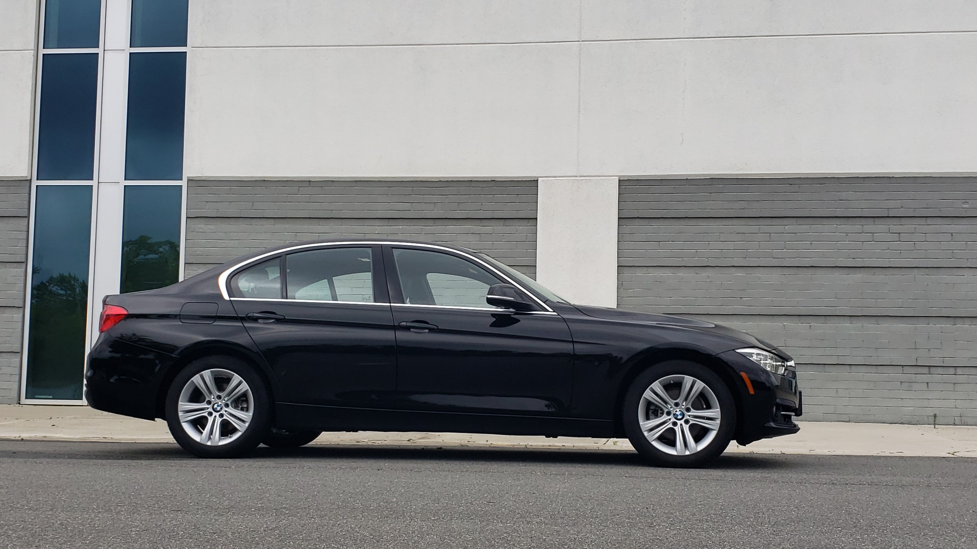 Used 2018 BMW 3 SERIES 330IXDRIVE / CONV PKG / NAV / SUNROOF / HTD STS / REARVIEW for sale $26,552 at Formula Imports in Charlotte NC 28227 9