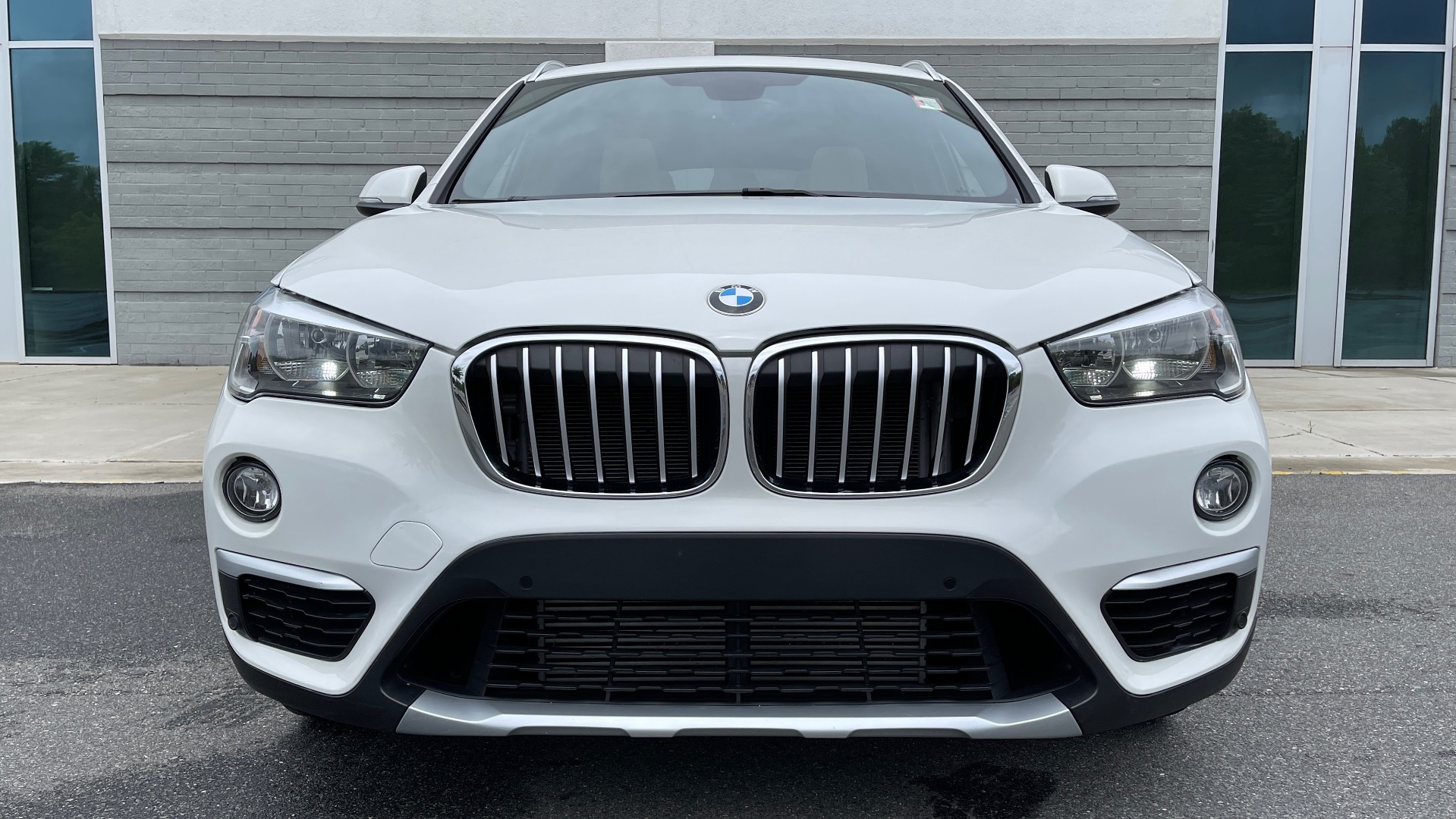 Used 2018 BMW X1 XDRIVE28I / CONV PKG / PANO-ROOF / HTD STS / PARK ASST / REARVIEW for sale $30,995 at Formula Imports in Charlotte NC 28227 12
