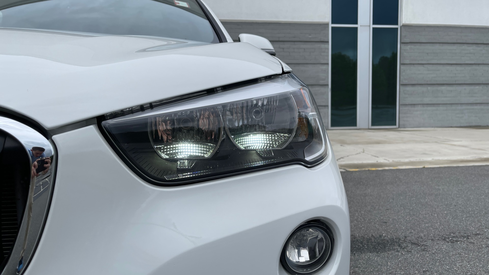 Used 2018 BMW X1 XDRIVE28I / CONV PKG / PANO-ROOF / HTD STS / PARK ASST / REARVIEW for sale $30,995 at Formula Imports in Charlotte NC 28227 14