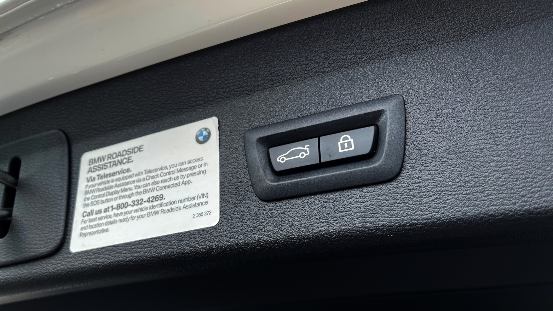 Used 2018 BMW X1 XDRIVE28I / CONV PKG / PANO-ROOF / HTD STS / PARK ASST / REARVIEW for sale $30,995 at Formula Imports in Charlotte NC 28227 27