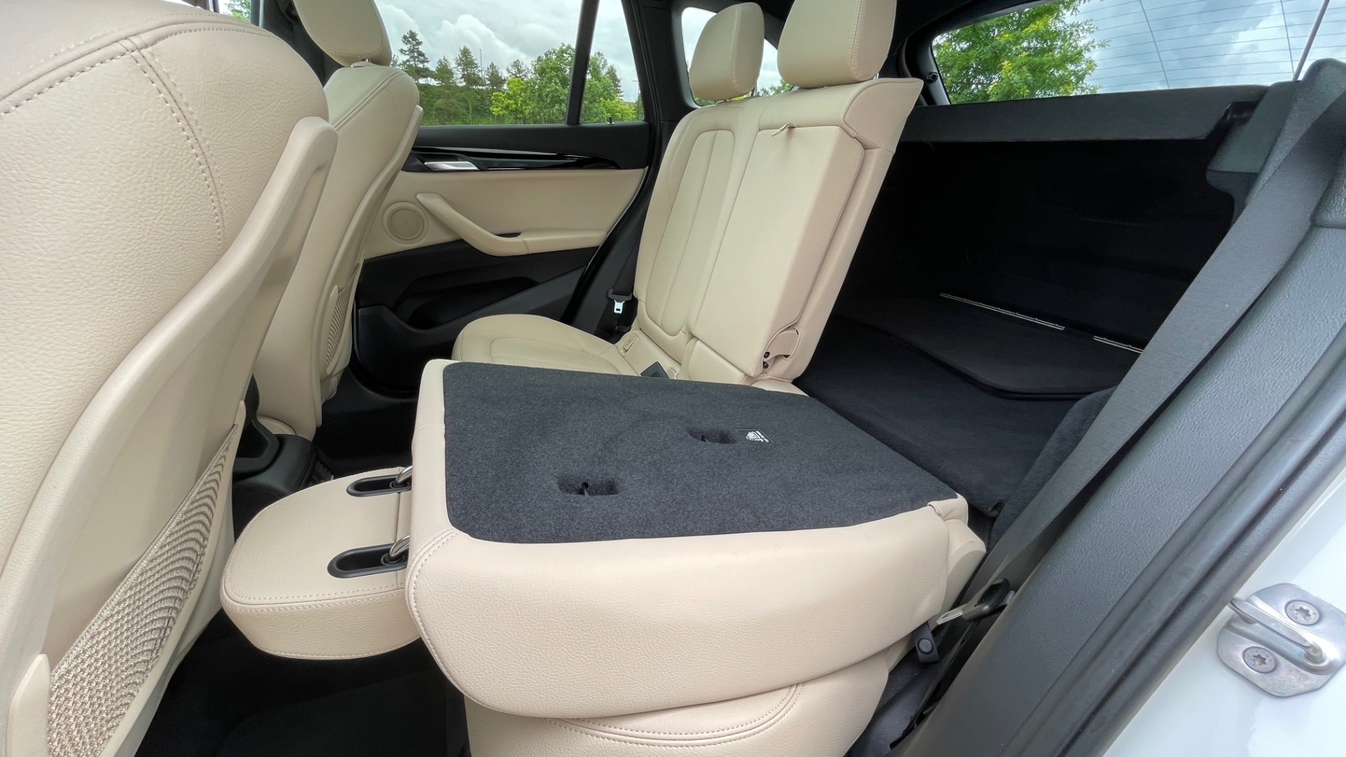 Used 2018 BMW X1 XDRIVE28I / CONV PKG / PANO-ROOF / HTD STS / PARK ASST / REARVIEW for sale $30,995 at Formula Imports in Charlotte NC 28227 74