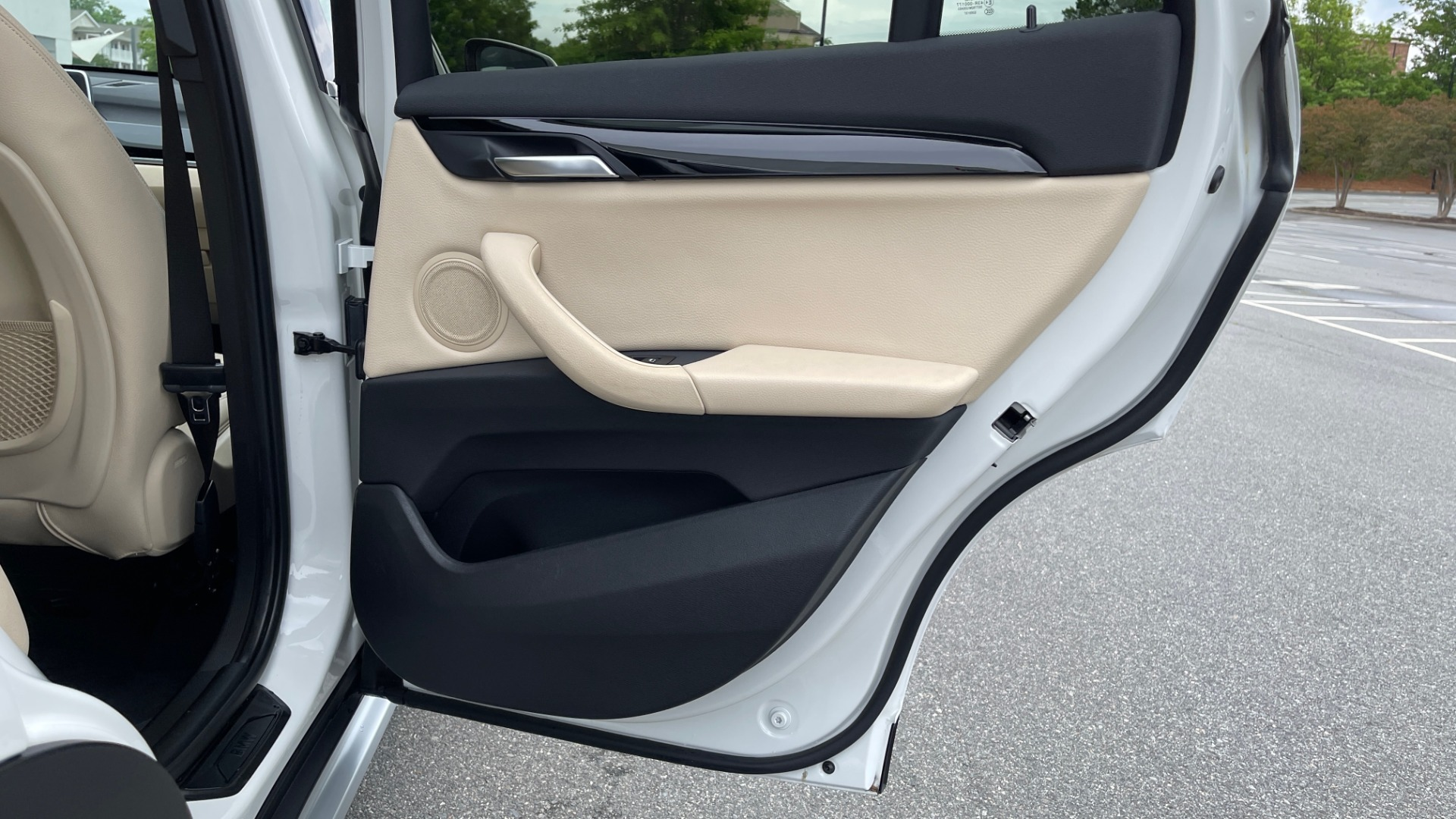 Used 2018 BMW X1 XDRIVE28I / CONV PKG / PANO-ROOF / HTD STS / PARK ASST / REARVIEW for sale $30,995 at Formula Imports in Charlotte NC 28227 76