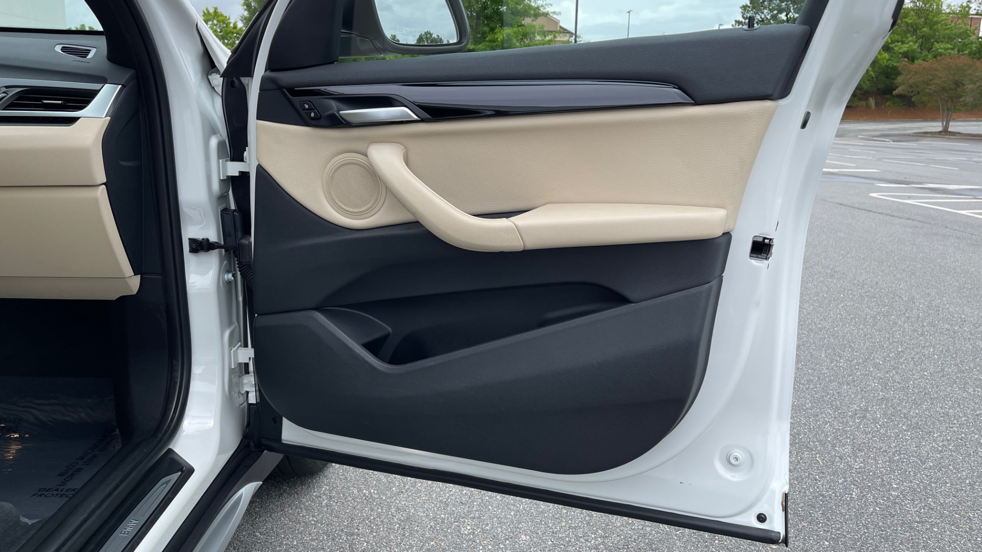 Used 2018 BMW X1 XDRIVE28I / CONV PKG / PANO-ROOF / HTD STS / PARK ASST / REARVIEW for sale $30,995 at Formula Imports in Charlotte NC 28227 79