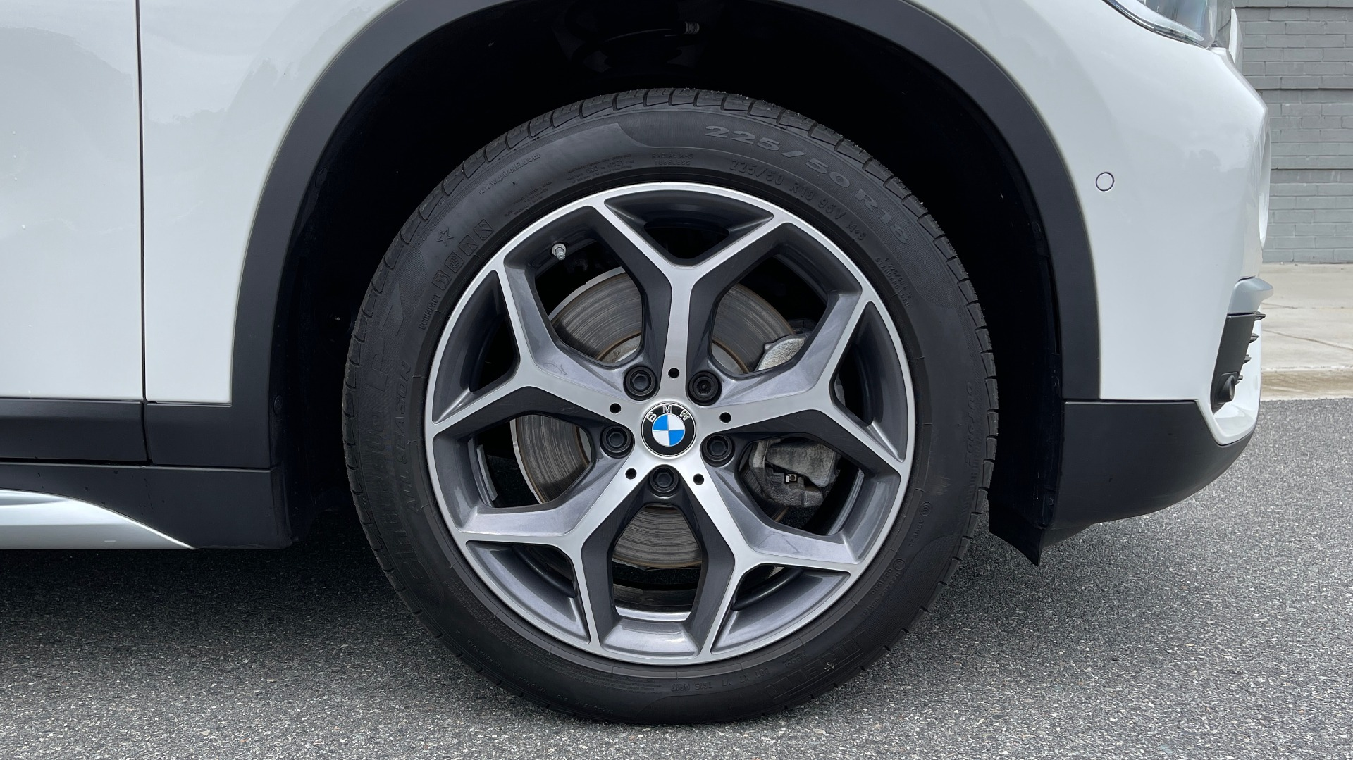Used 2018 BMW X1 XDRIVE28I / CONV PKG / PANO-ROOF / HTD STS / PARK ASST / REARVIEW for sale $30,995 at Formula Imports in Charlotte NC 28227 89