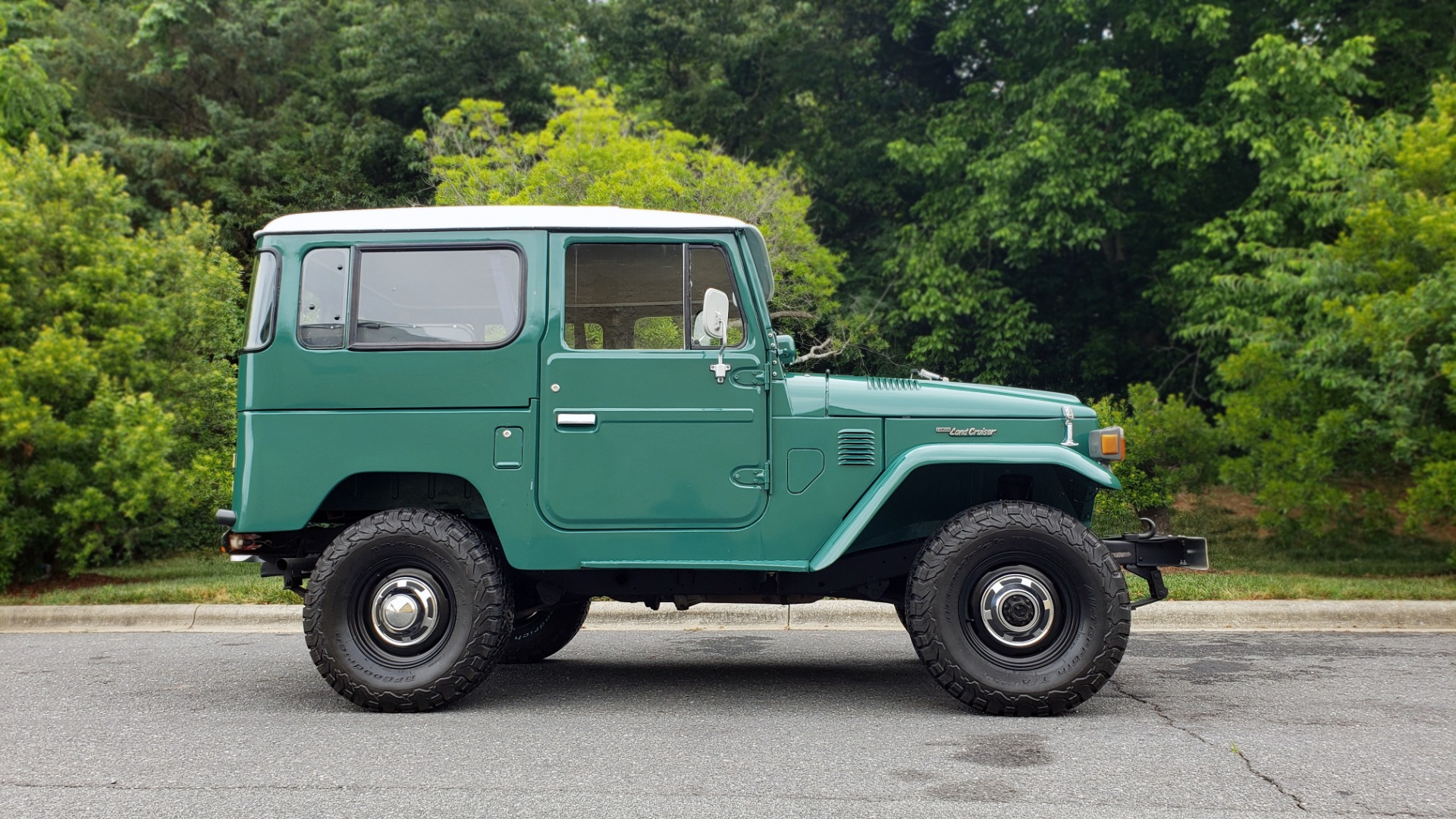 Used 1978 Toyota FJ40 LAND CRUISER 4x4 HARDTOP / RESTORED / 4-SPEED MAN / NEW AIR COND for sale Call for price at Formula Imports in Charlotte NC 28227 3