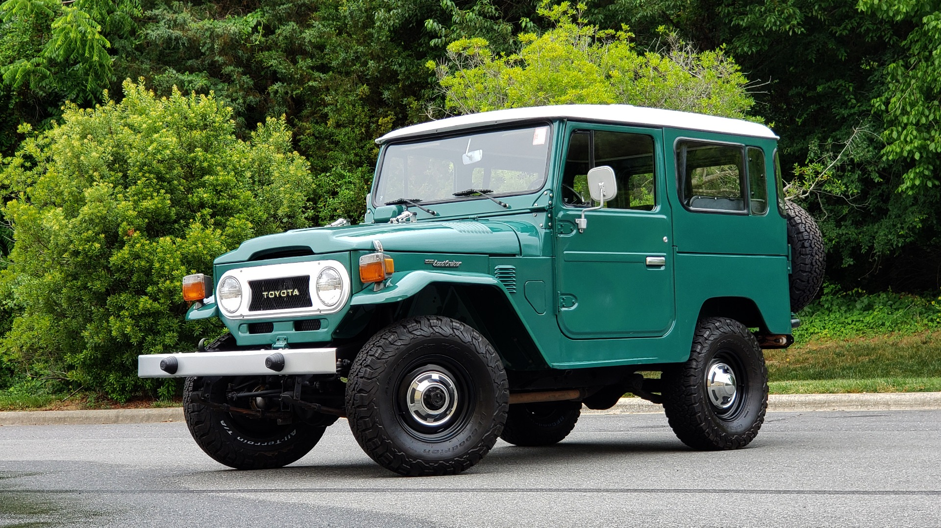 Used 1978 Toyota FJ40 LAND CRUISER 4x4 HARDTOP / RESTORED / 4-SPEED MAN / NEW AIR COND for sale Call for price at Formula Imports in Charlotte NC 28227 1