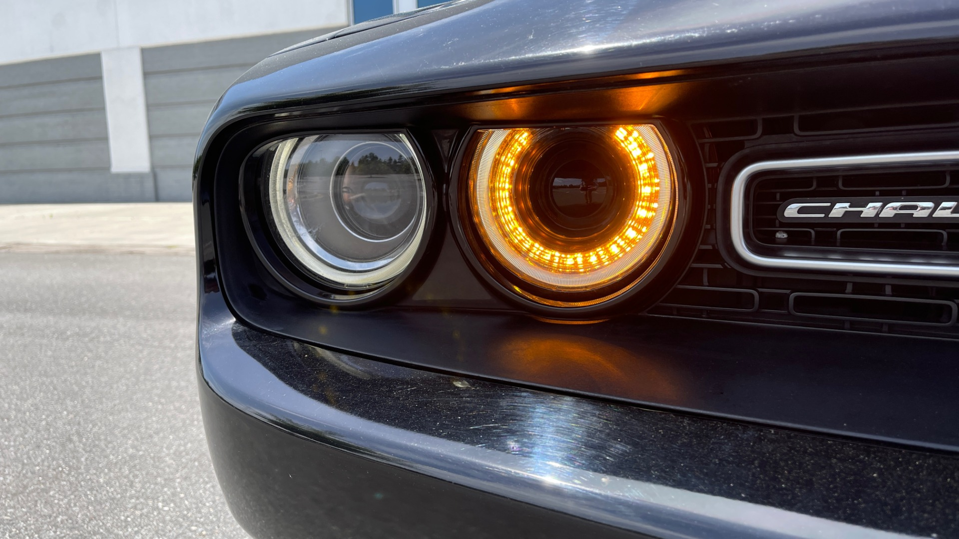 Used 2015 Dodge CHALLENGER SXT PLUS COUPE / 3.6L V6 / 8-SPD AUTO / NAV / ALPINE / SUNROOF / REARVIEW for sale Sold at Formula Imports in Charlotte NC 28227 12