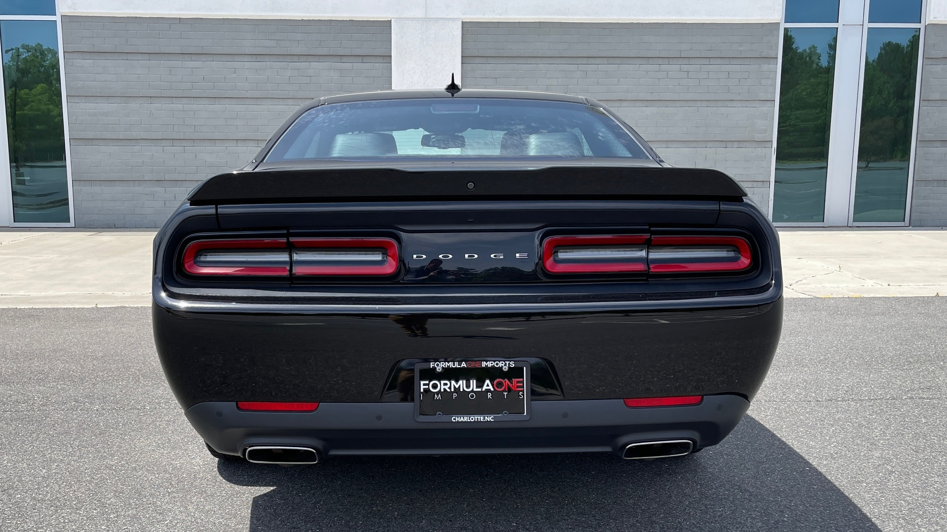 Used 2015 Dodge CHALLENGER SXT PLUS COUPE / 3.6L V6 / 8-SPD AUTO / NAV / ALPINE / SUNROOF / REARVIEW for sale Sold at Formula Imports in Charlotte NC 28227 19