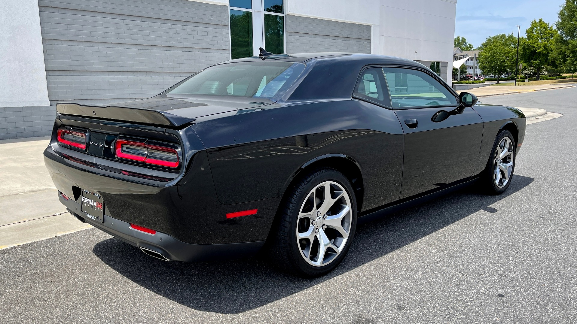 Used 2015 Dodge CHALLENGER SXT PLUS COUPE / 3.6L V6 / 8-SPD AUTO / NAV / ALPINE / SUNROOF / REARVIEW for sale Sold at Formula Imports in Charlotte NC 28227 2