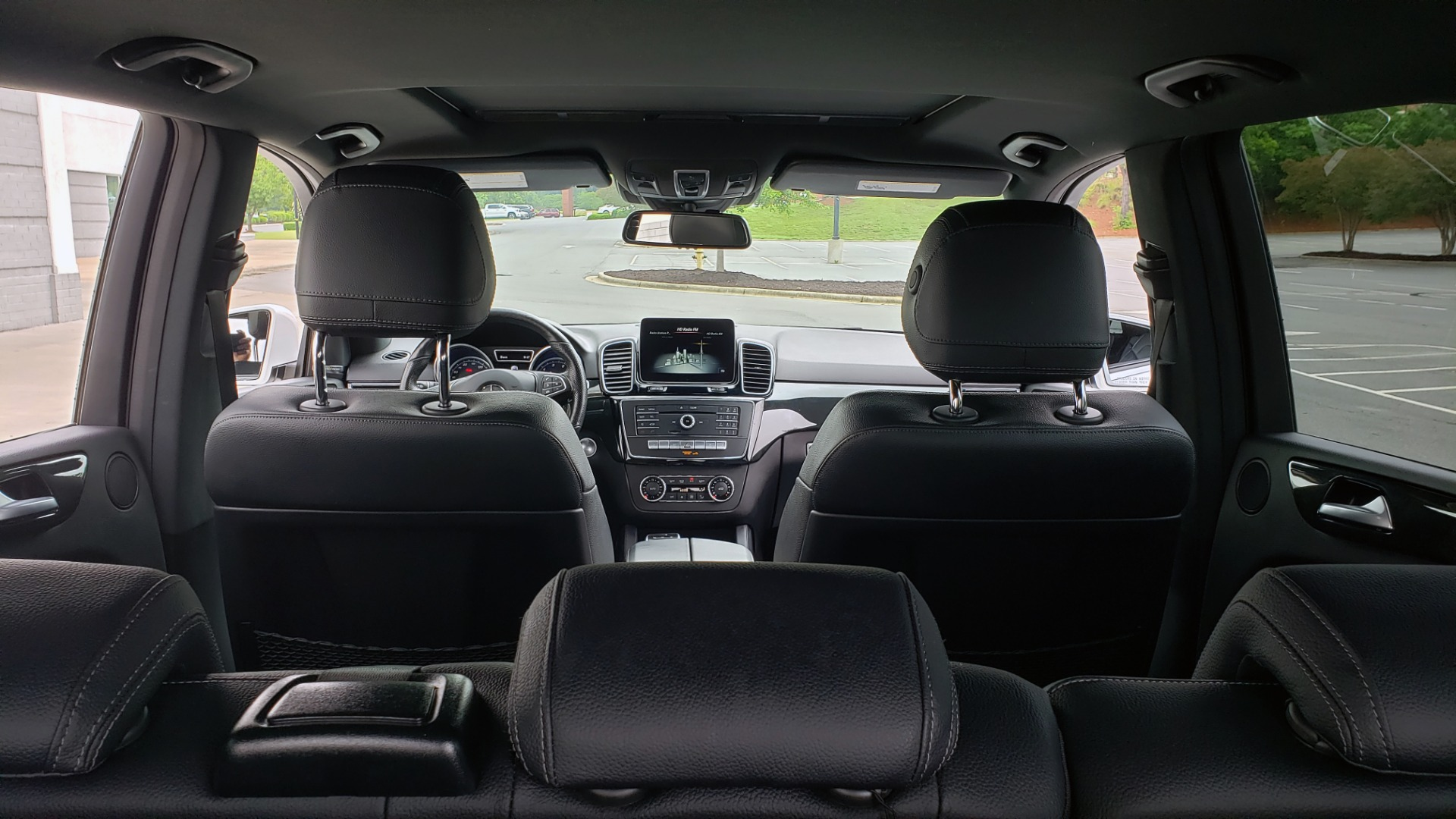Used 2018 Mercedes-Benz GLE 350 4MATIC / PREM PKG / NAV / PARK ASST / K/H SND / HITCH / REARVIEW for sale $40,801 at Formula Imports in Charlotte NC 28227 18