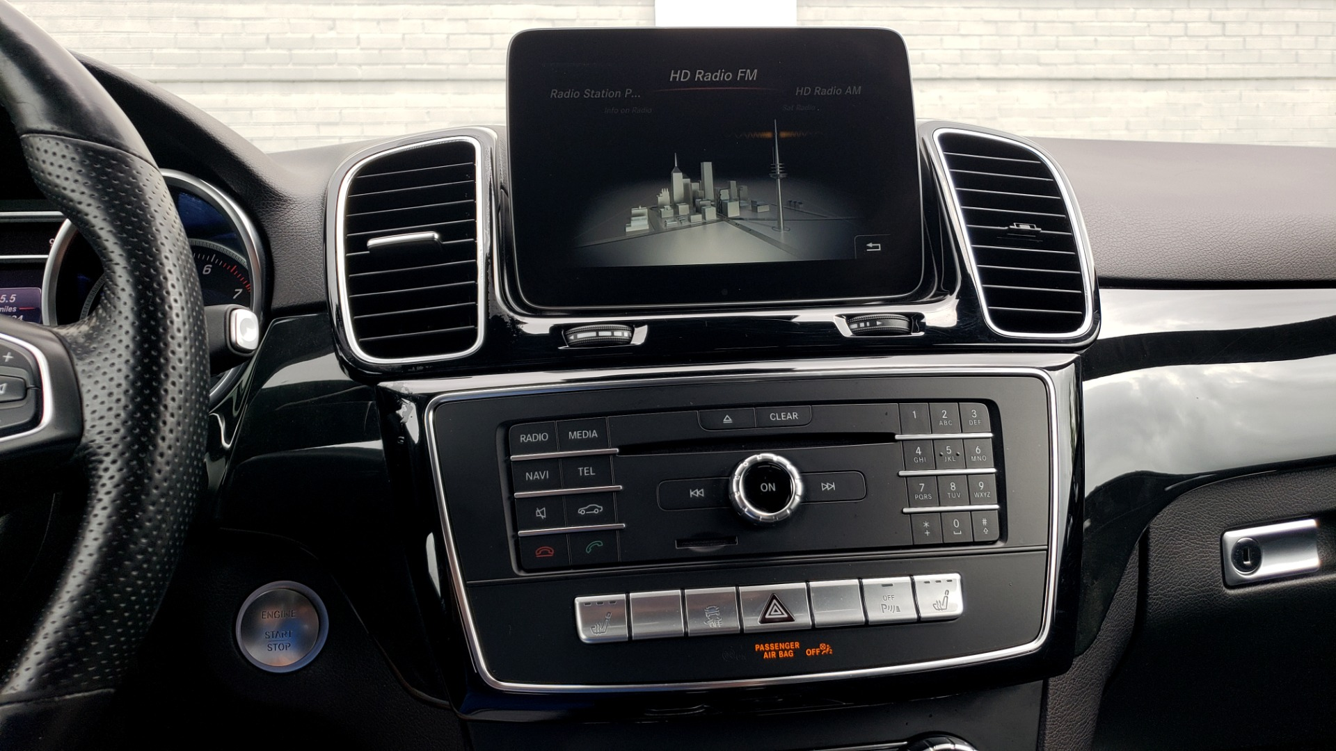 Used 2018 Mercedes-Benz GLE 350 4MATIC / PREM PKG / NAV / PARK ASST / K/H SND / HITCH / REARVIEW for sale $40,801 at Formula Imports in Charlotte NC 28227 46