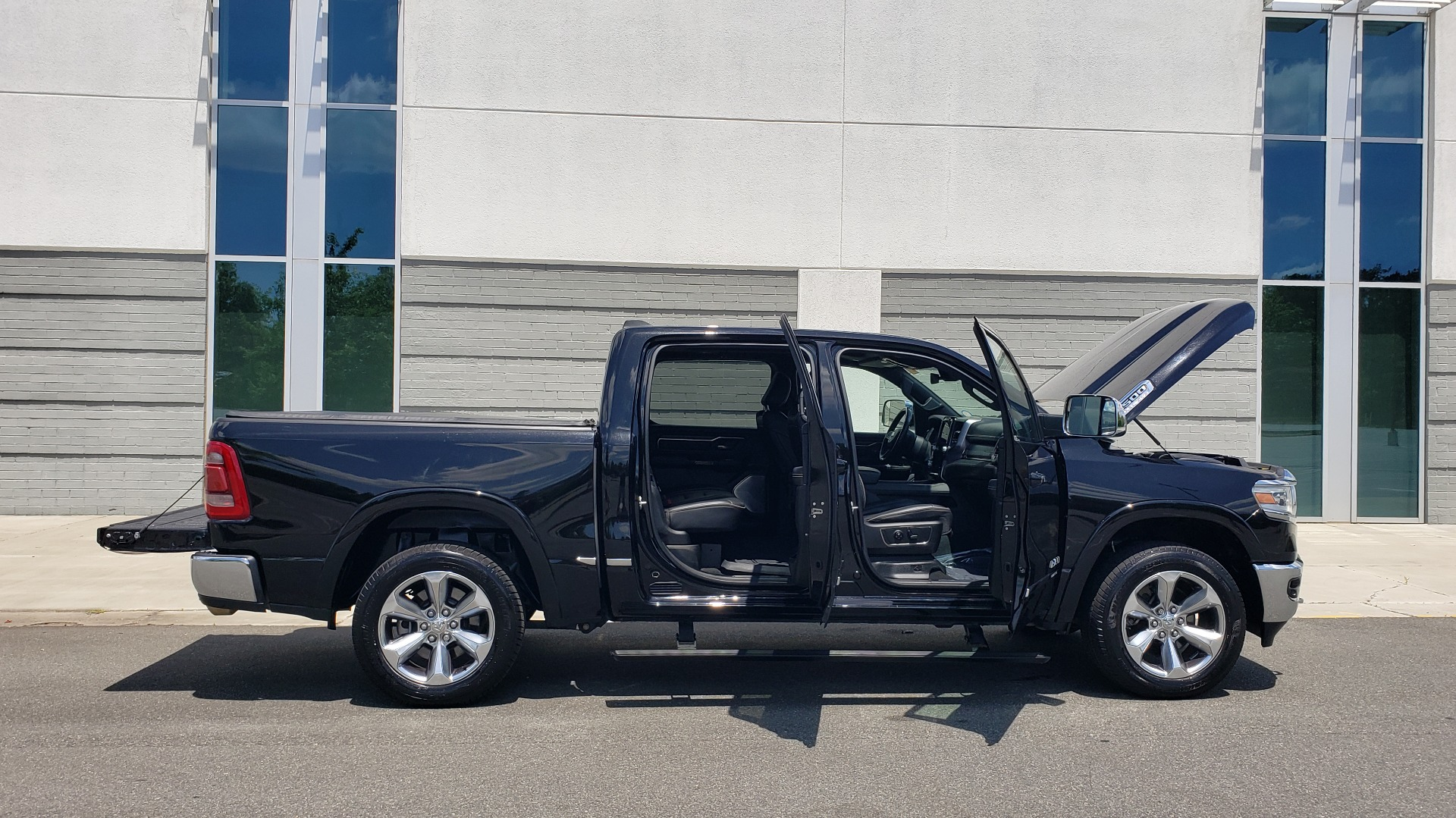 Used 2019 Ram 1500 LIMITED / NAV / PANO-ROOF / TOW PKG / H/K SND / REARVIEW for sale $46,995 at Formula Imports in Charlotte NC 28227 16