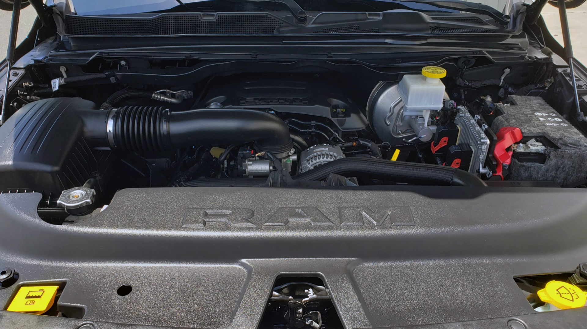 Used 2019 Ram 1500 LIMITED / NAV / PANO-ROOF / TOW PKG / H/K SND / REARVIEW for sale $46,995 at Formula Imports in Charlotte NC 28227 17