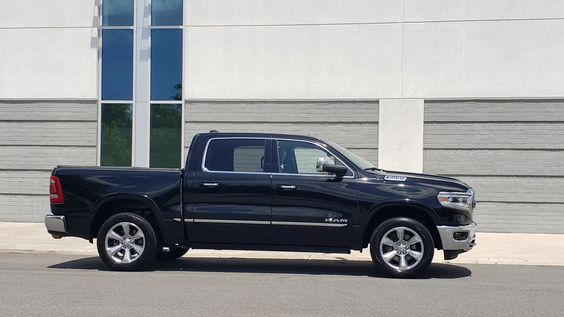 Used 2019 Ram 1500 LIMITED / NAV / PANO-ROOF / TOW PKG / H/K SND / REARVIEW for sale $46,995 at Formula Imports in Charlotte NC 28227 4