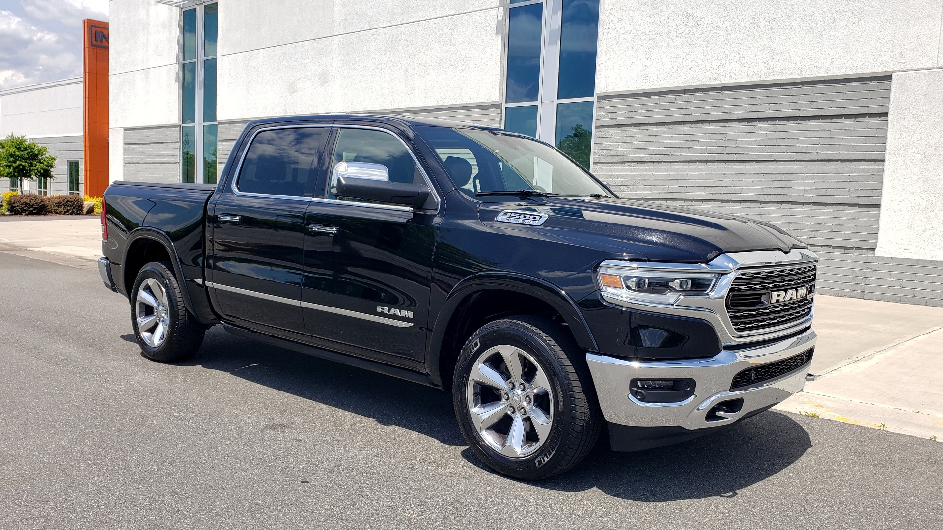 Used 2019 Ram 1500 LIMITED / NAV / PANO-ROOF / TOW PKG / H/K SND / REARVIEW for sale $46,995 at Formula Imports in Charlotte NC 28227 5