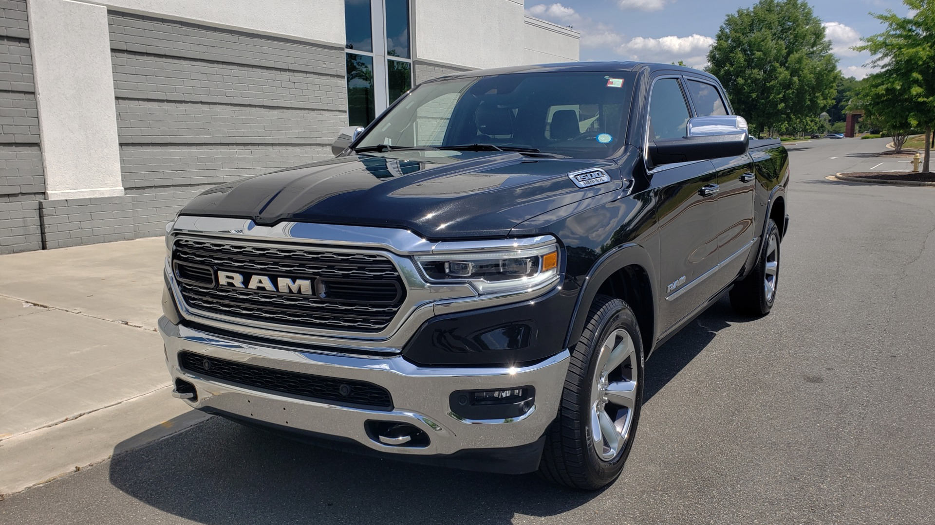 Used 2019 Ram 1500 LIMITED / NAV / PANO-ROOF / TOW PKG / H/K SND / REARVIEW for sale $46,995 at Formula Imports in Charlotte NC 28227 6