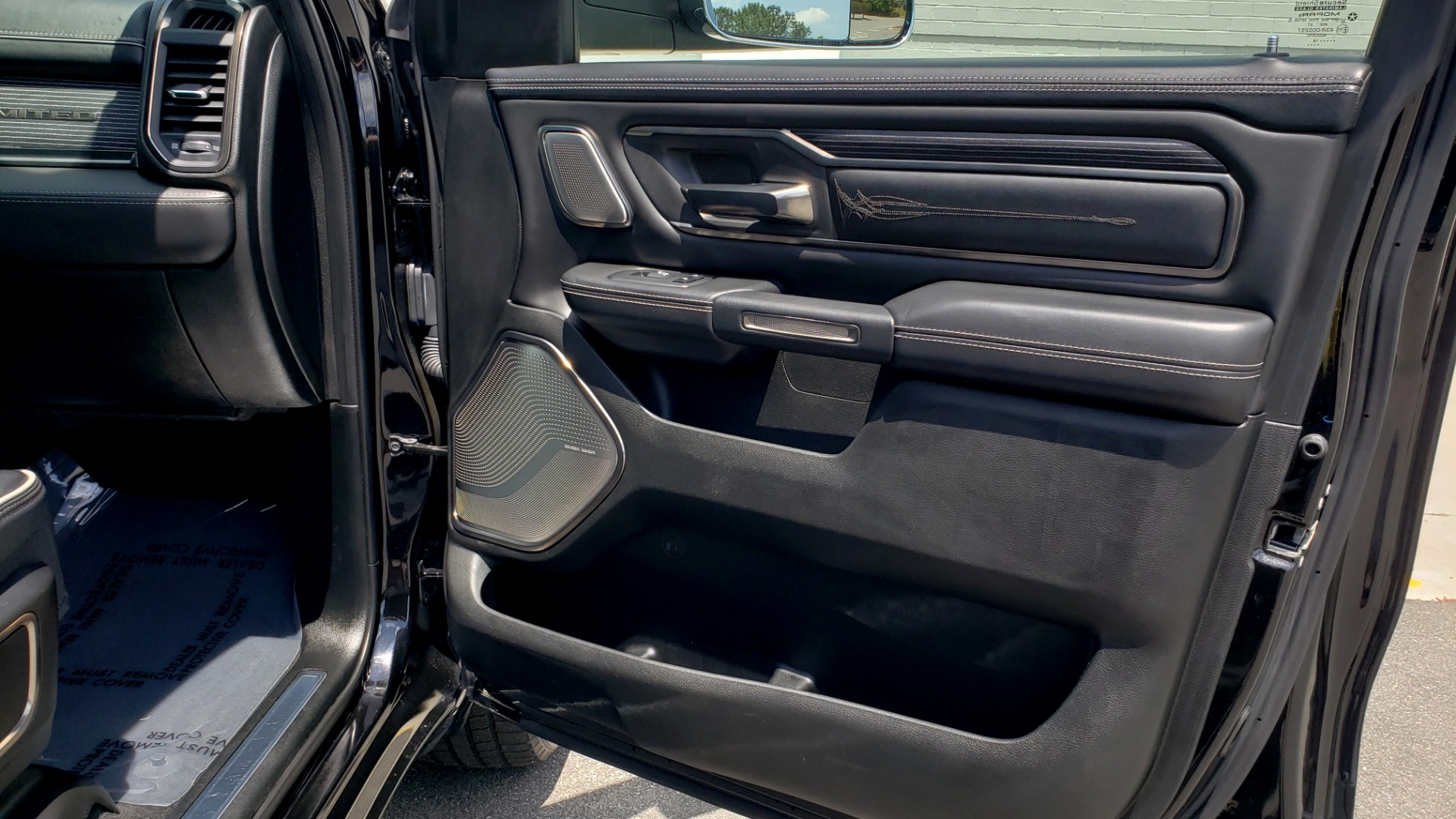 Used 2019 Ram 1500 LIMITED / NAV / PANO-ROOF / TOW PKG / H/K SND / REARVIEW for sale $46,995 at Formula Imports in Charlotte NC 28227 75
