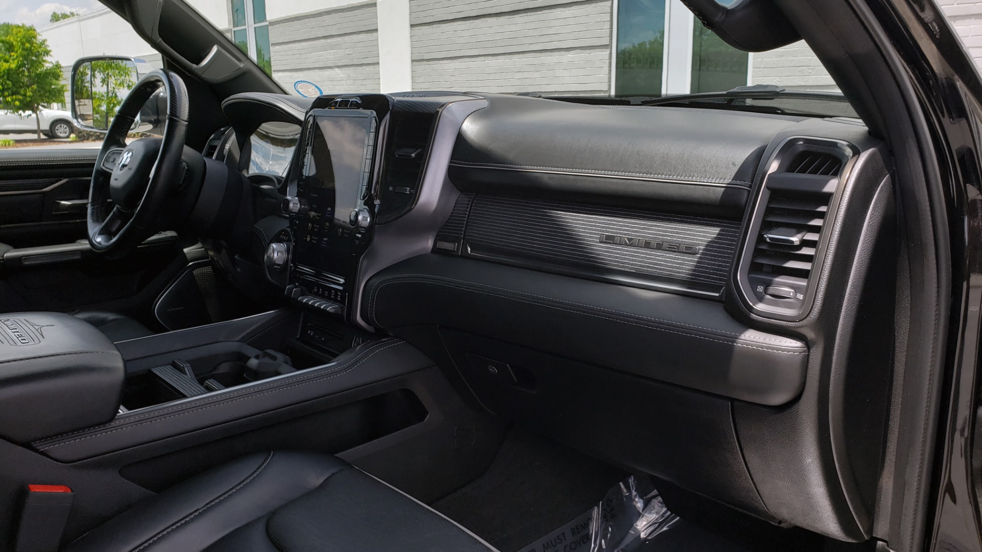 Used 2019 Ram 1500 LIMITED / NAV / PANO-ROOF / TOW PKG / H/K SND / REARVIEW for sale $46,995 at Formula Imports in Charlotte NC 28227 79