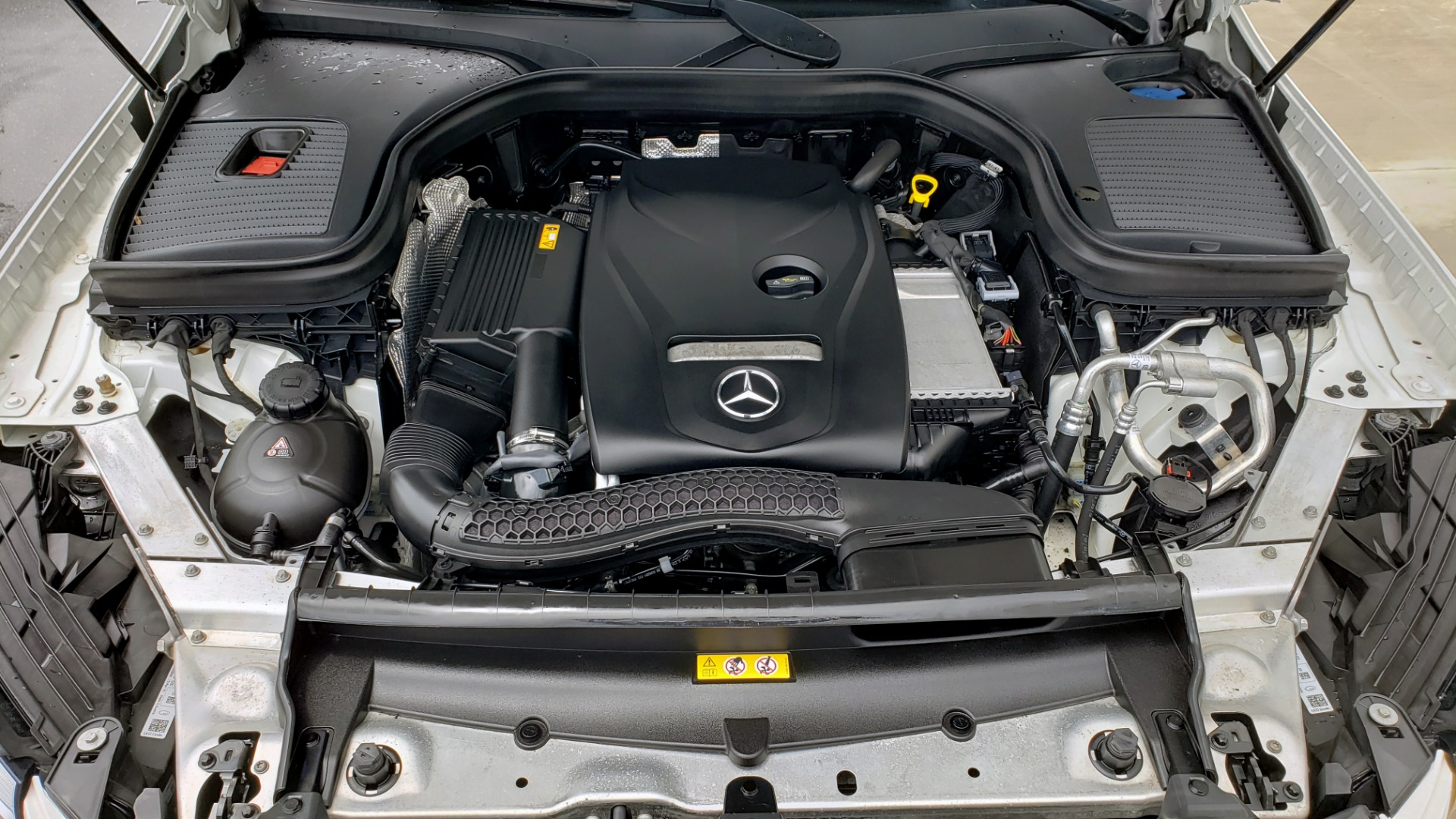 Used 2018 Mercedes-Benz GLC 300 4MATIC PREMIUM / NAV / BURMESTER SND / PANO-ROOF / REARVIEW for sale $35,495 at Formula Imports in Charlotte NC 28227 11