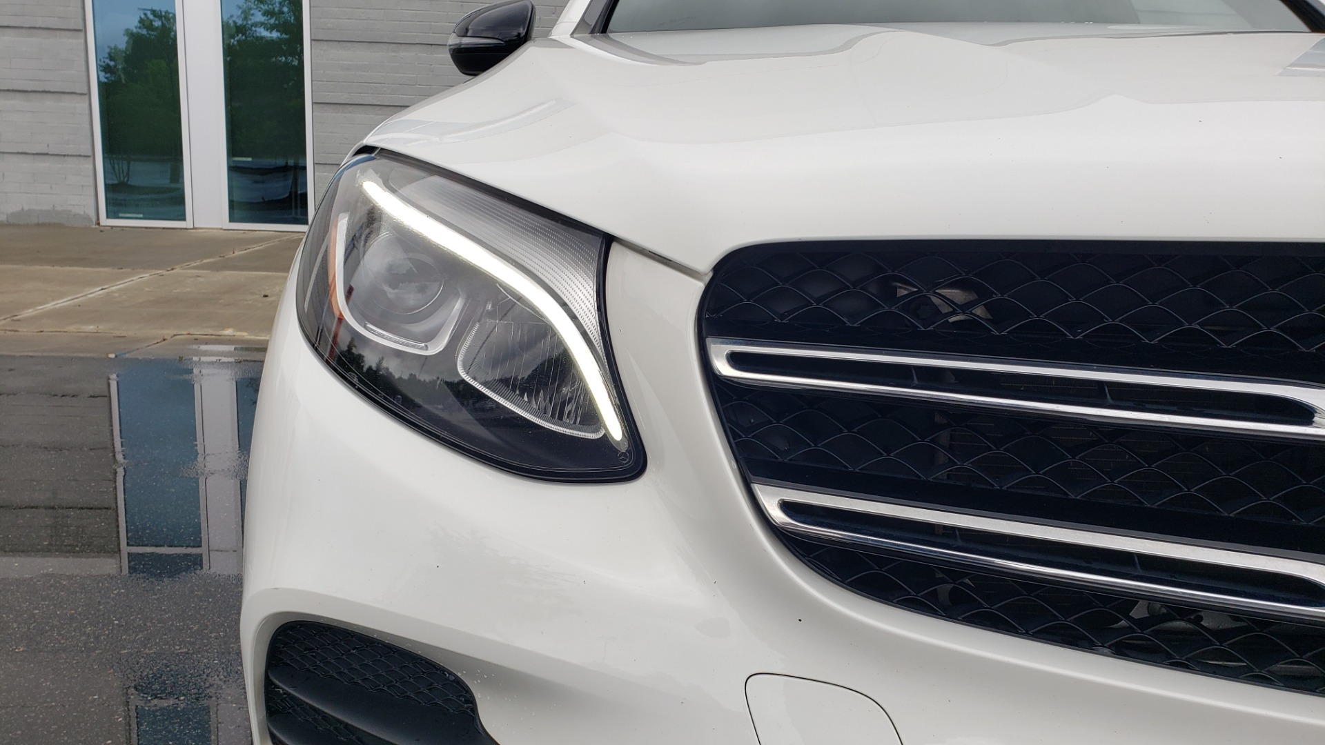 Used 2018 Mercedes-Benz GLC 300 4MATIC PREMIUM / NAV / BURMESTER SND / PANO-ROOF / REARVIEW for sale $35,495 at Formula Imports in Charlotte NC 28227 21
