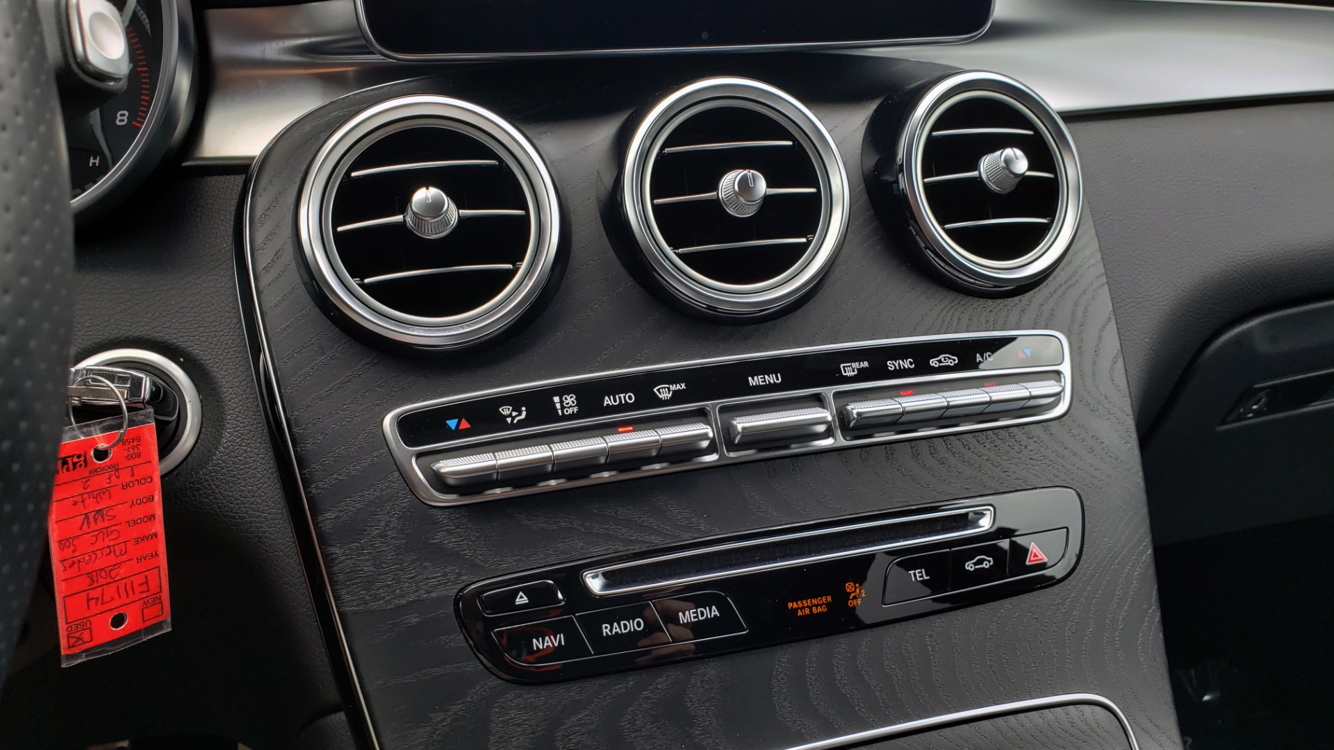 Used 2018 Mercedes-Benz GLC 300 4MATIC PREMIUM / NAV / BURMESTER SND / PANO-ROOF / REARVIEW for sale $35,495 at Formula Imports in Charlotte NC 28227 47
