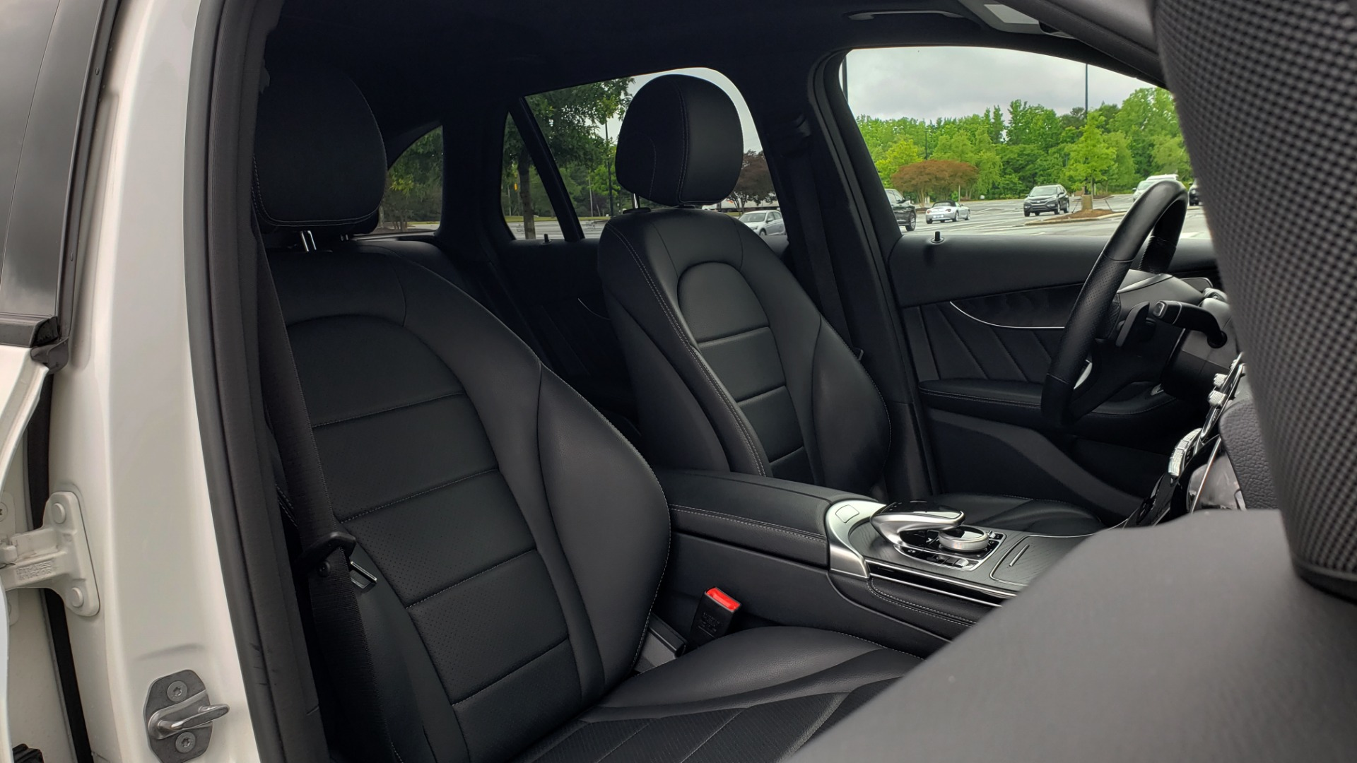 Used 2018 Mercedes-Benz GLC 300 4MATIC PREMIUM / NAV / BURMESTER SND / PANO-ROOF / REARVIEW for sale $35,495 at Formula Imports in Charlotte NC 28227 65