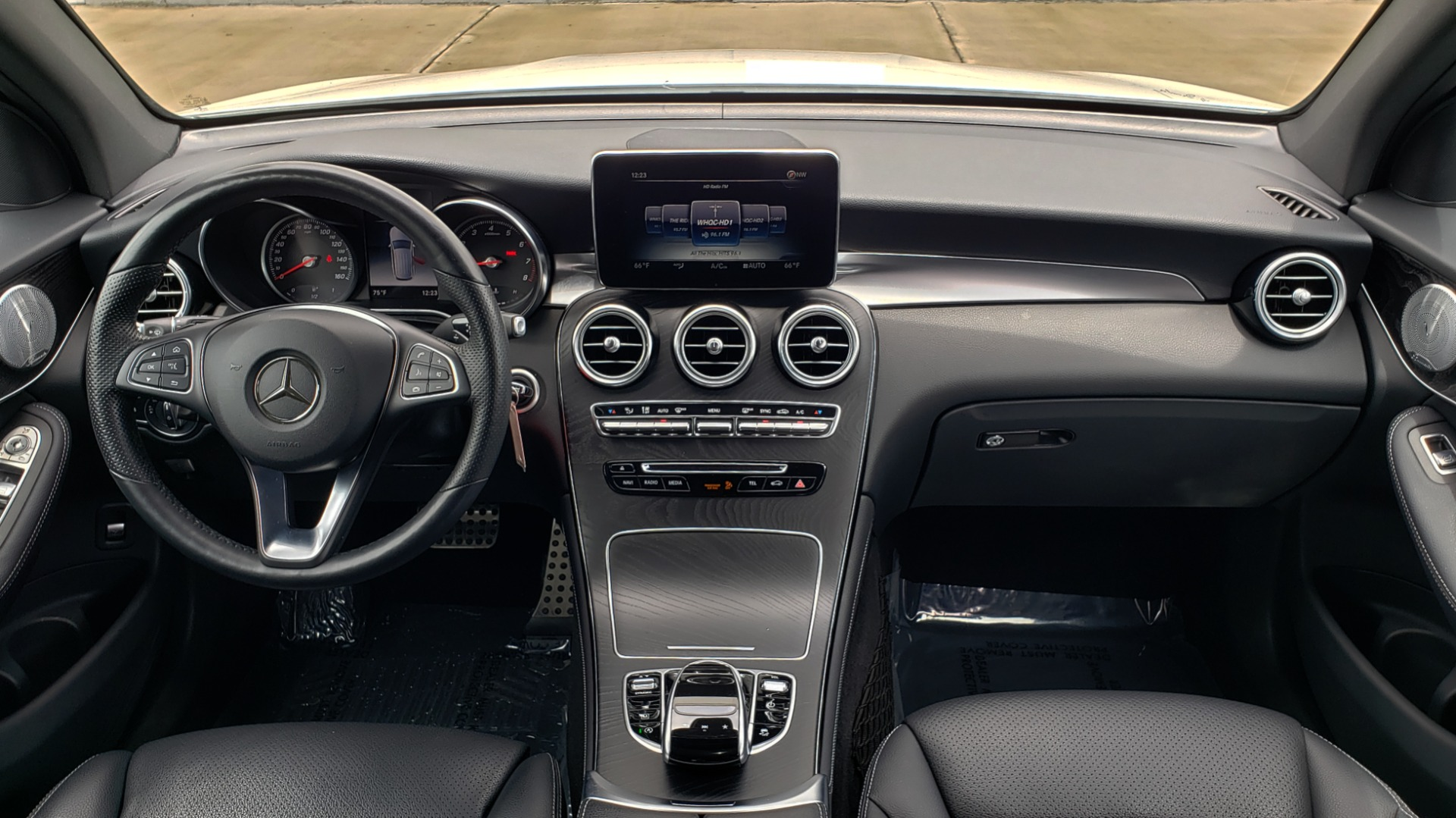 Used 2018 Mercedes-Benz GLC 300 4MATIC PREMIUM / NAV / BURMESTER SND / PANO-ROOF / REARVIEW for sale $35,495 at Formula Imports in Charlotte NC 28227 74