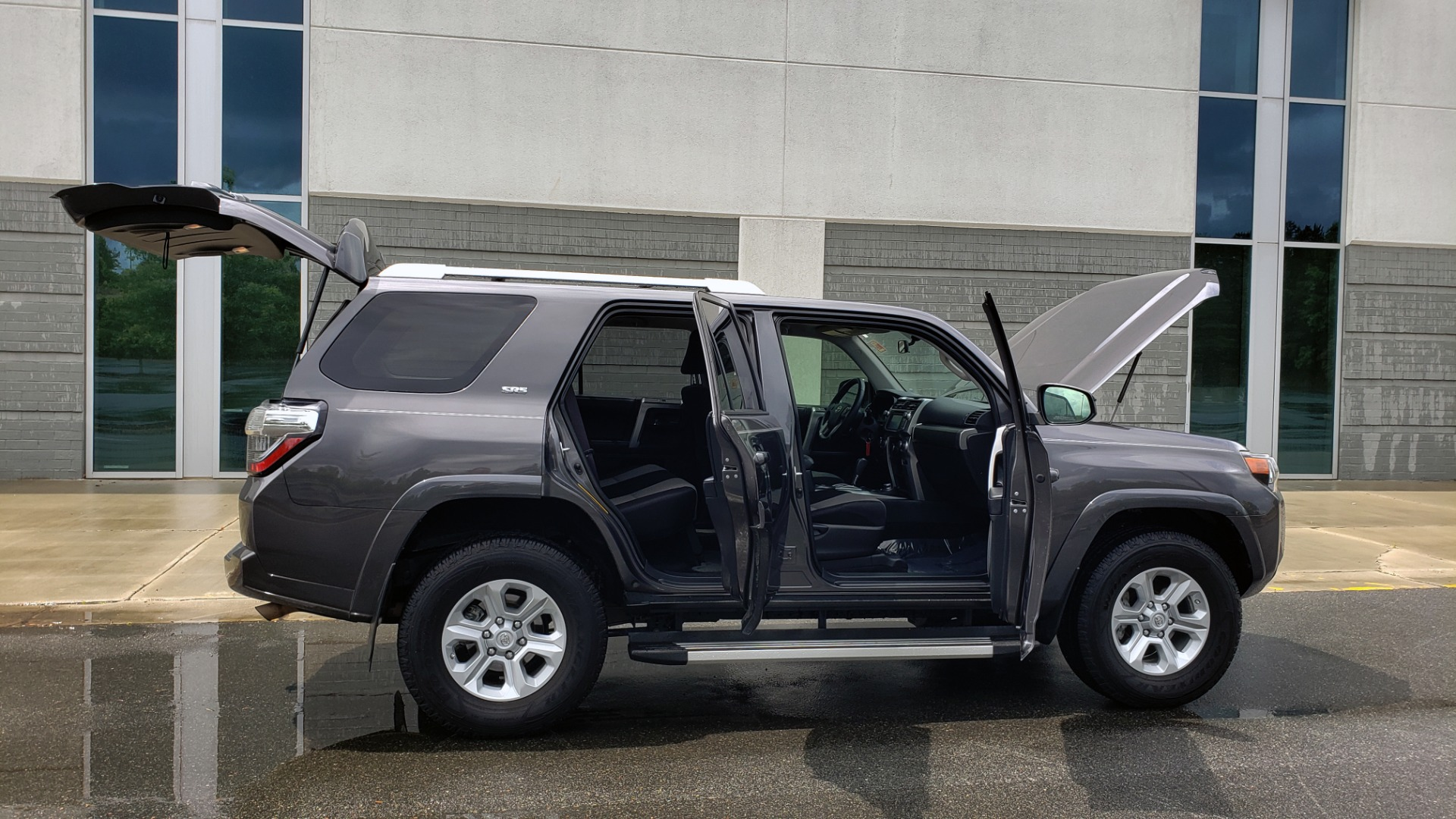 Used 2016 Toyota 4RUNNER 4X4 SR5 V6 / ENTUNE PREMIUM AUDIO W/NAVIGATION for sale $35,995 at Formula Imports in Charlotte NC 28227 12