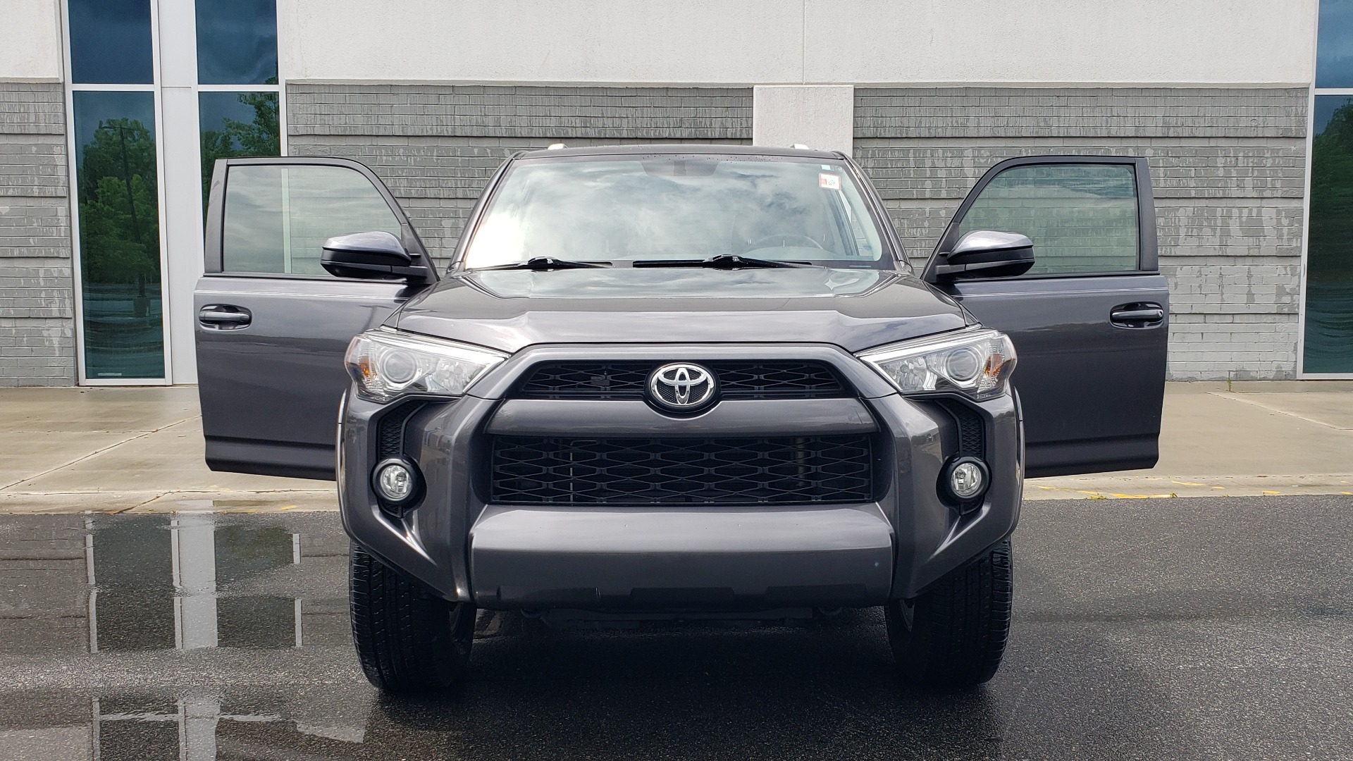 Used 2016 Toyota 4RUNNER 4X4 SR5 V6 / ENTUNE PREMIUM AUDIO W/NAVIGATION for sale $35,995 at Formula Imports in Charlotte NC 28227 25