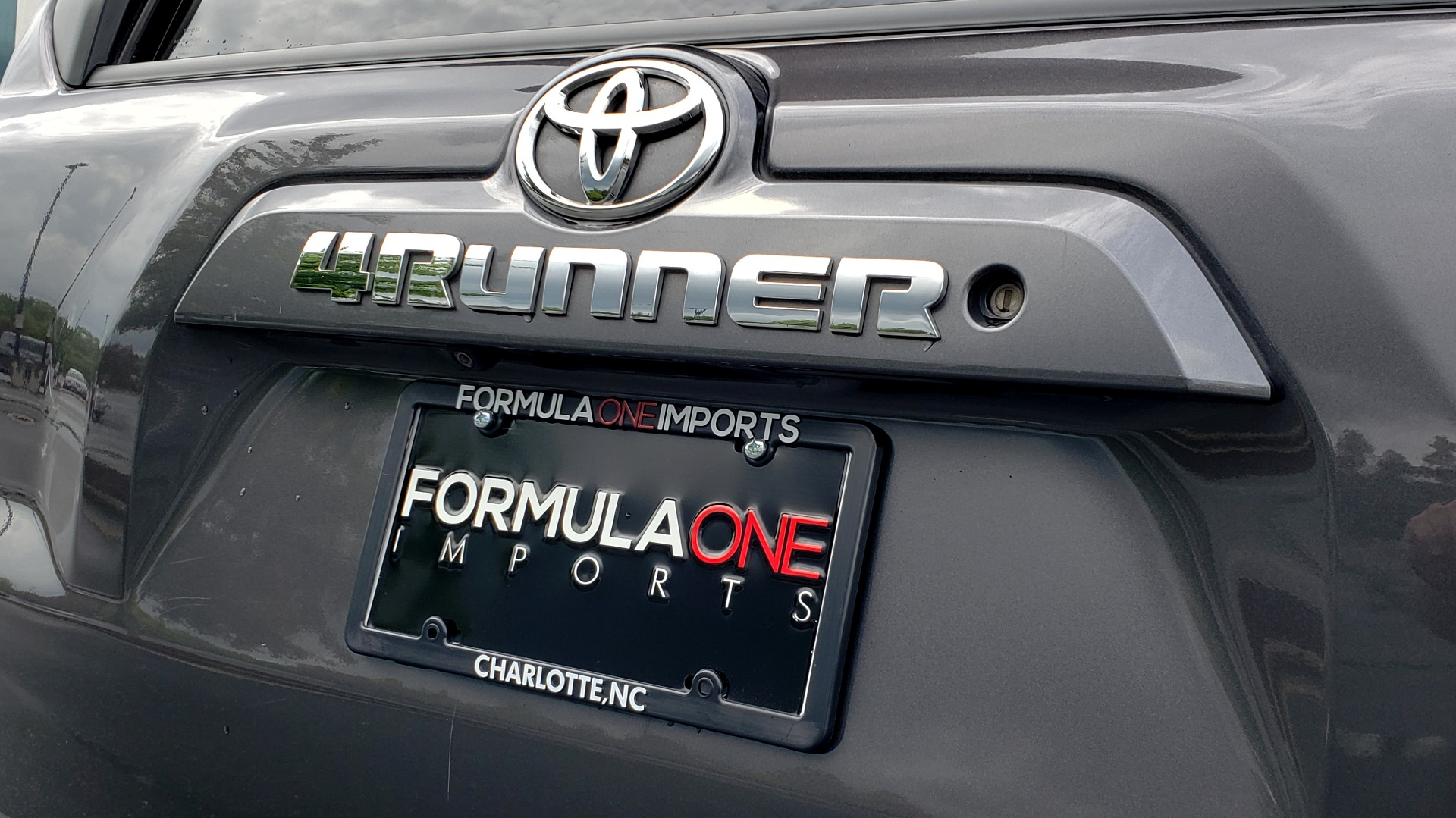 Used 2016 Toyota 4RUNNER 4X4 SR5 V6 / ENTUNE PREMIUM AUDIO W/NAVIGATION for sale $35,995 at Formula Imports in Charlotte NC 28227 35