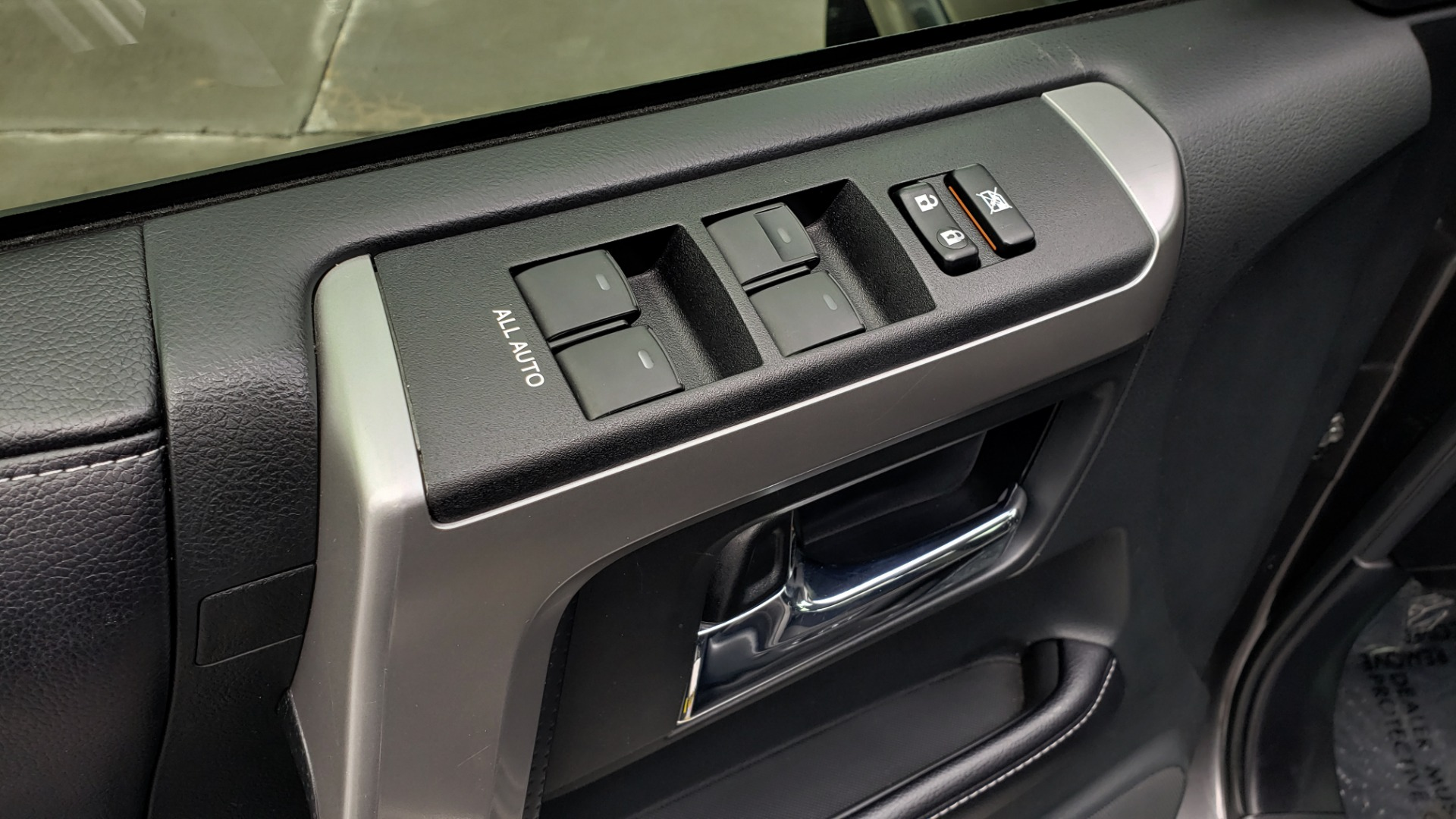 Used 2016 Toyota 4RUNNER 4X4 SR5 V6 / ENTUNE PREMIUM AUDIO W/NAVIGATION for sale $35,995 at Formula Imports in Charlotte NC 28227 38